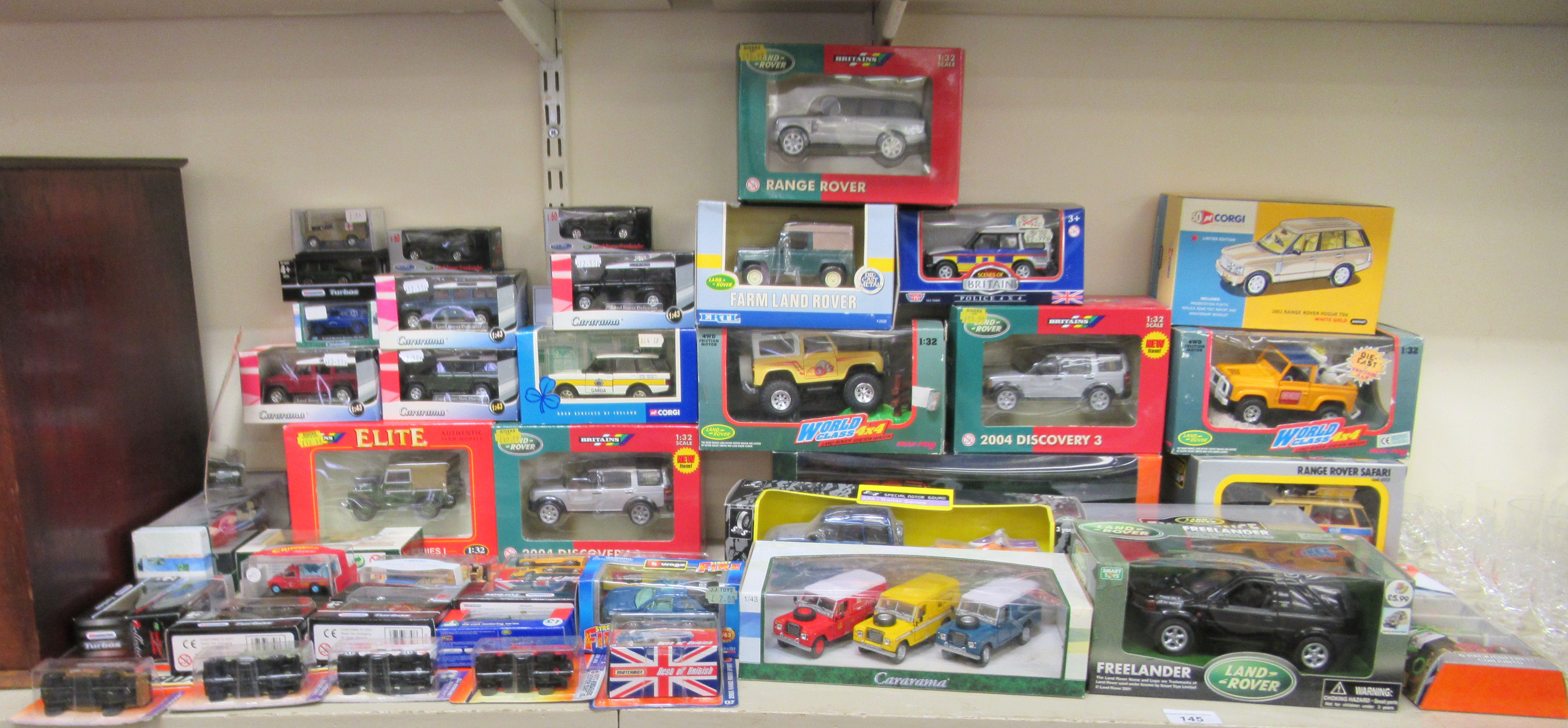 Diecast model vehicles: to include a Corgi 2002 Range Rover Vogue boxed