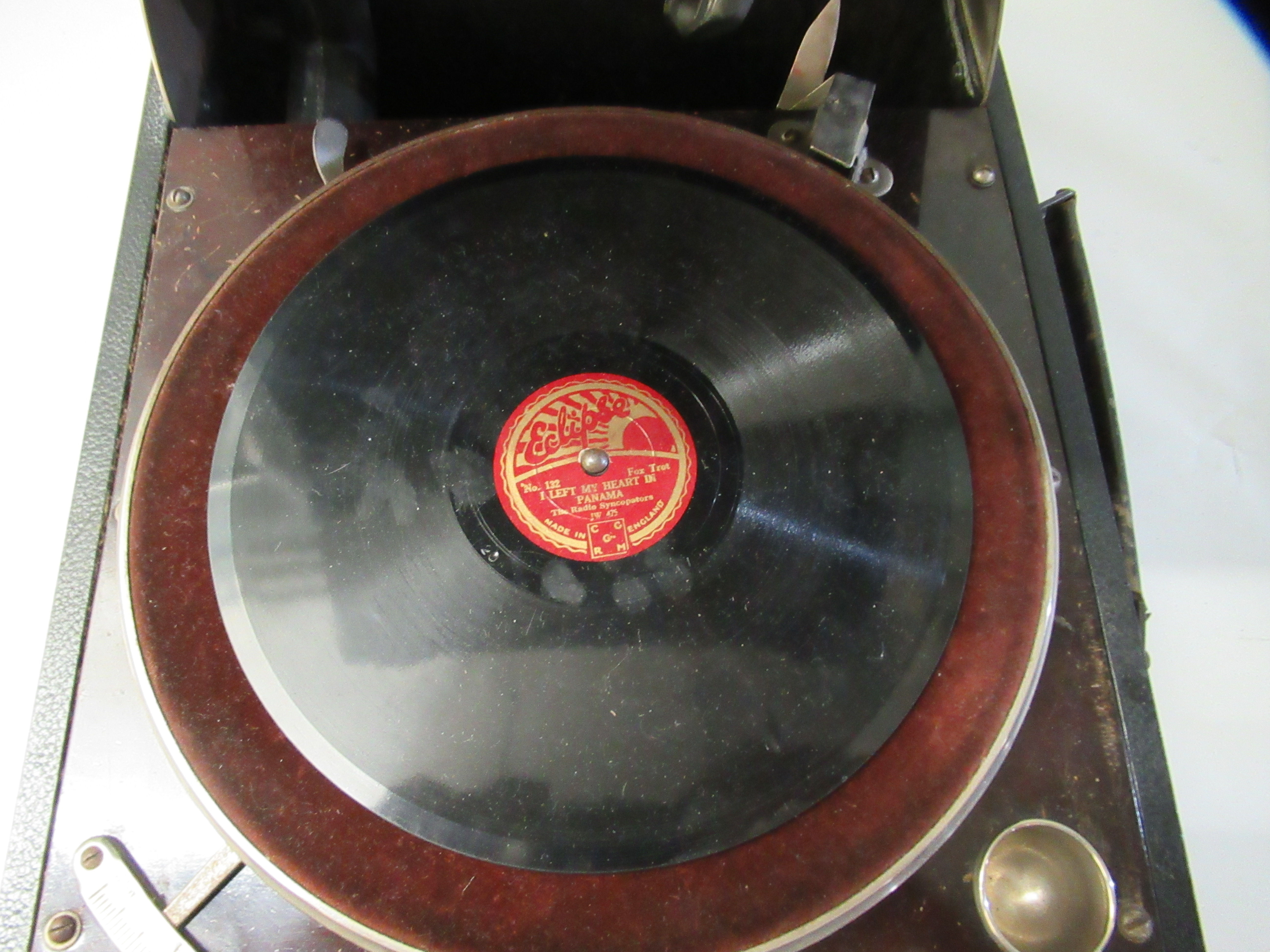 A 1930s Columbia portable gramophone with a folding handle, in a black fabric covered case - Image 3 of 5