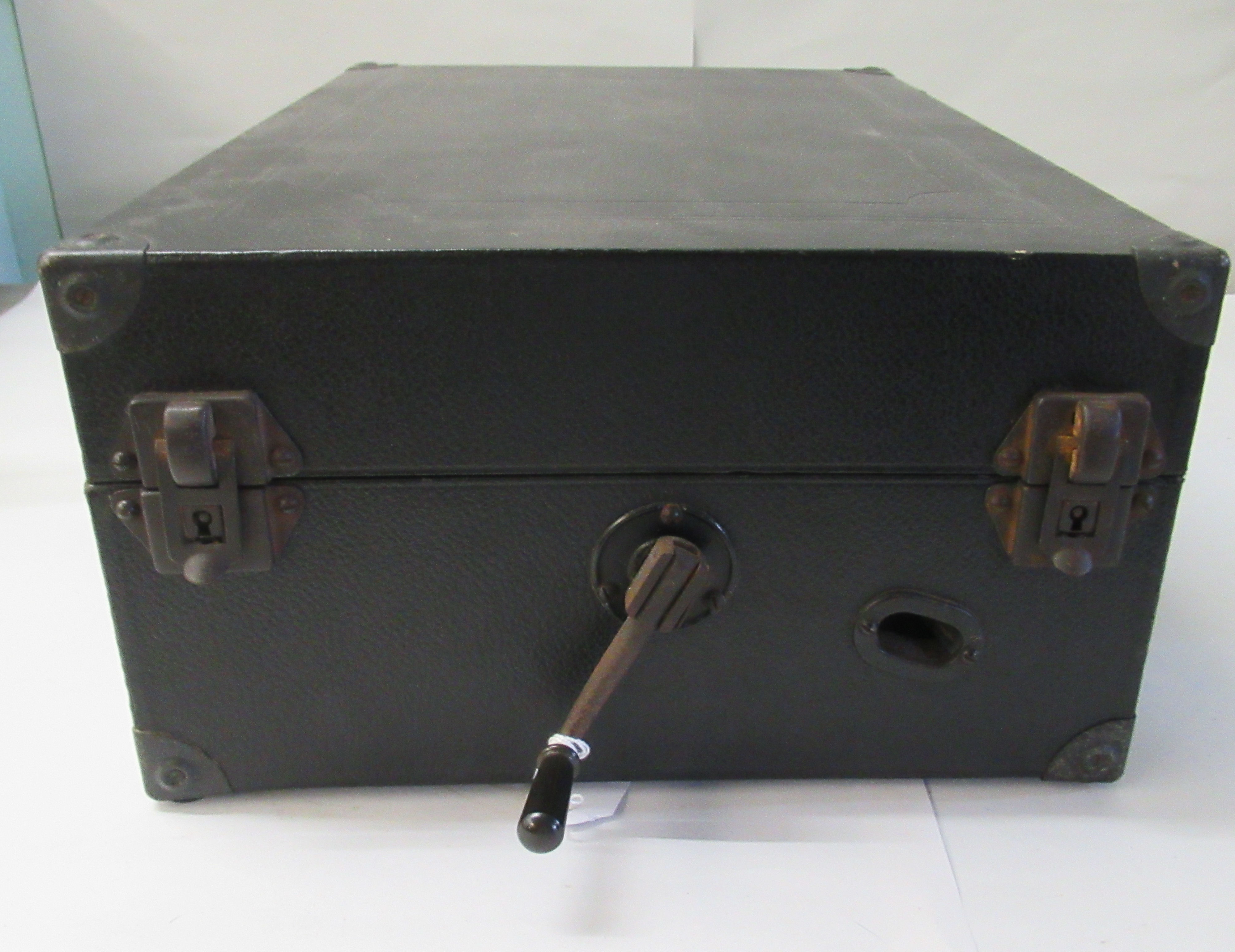A 1930s Columbia portable gramophone with a folding handle, in a black fabric covered case - Image 5 of 5