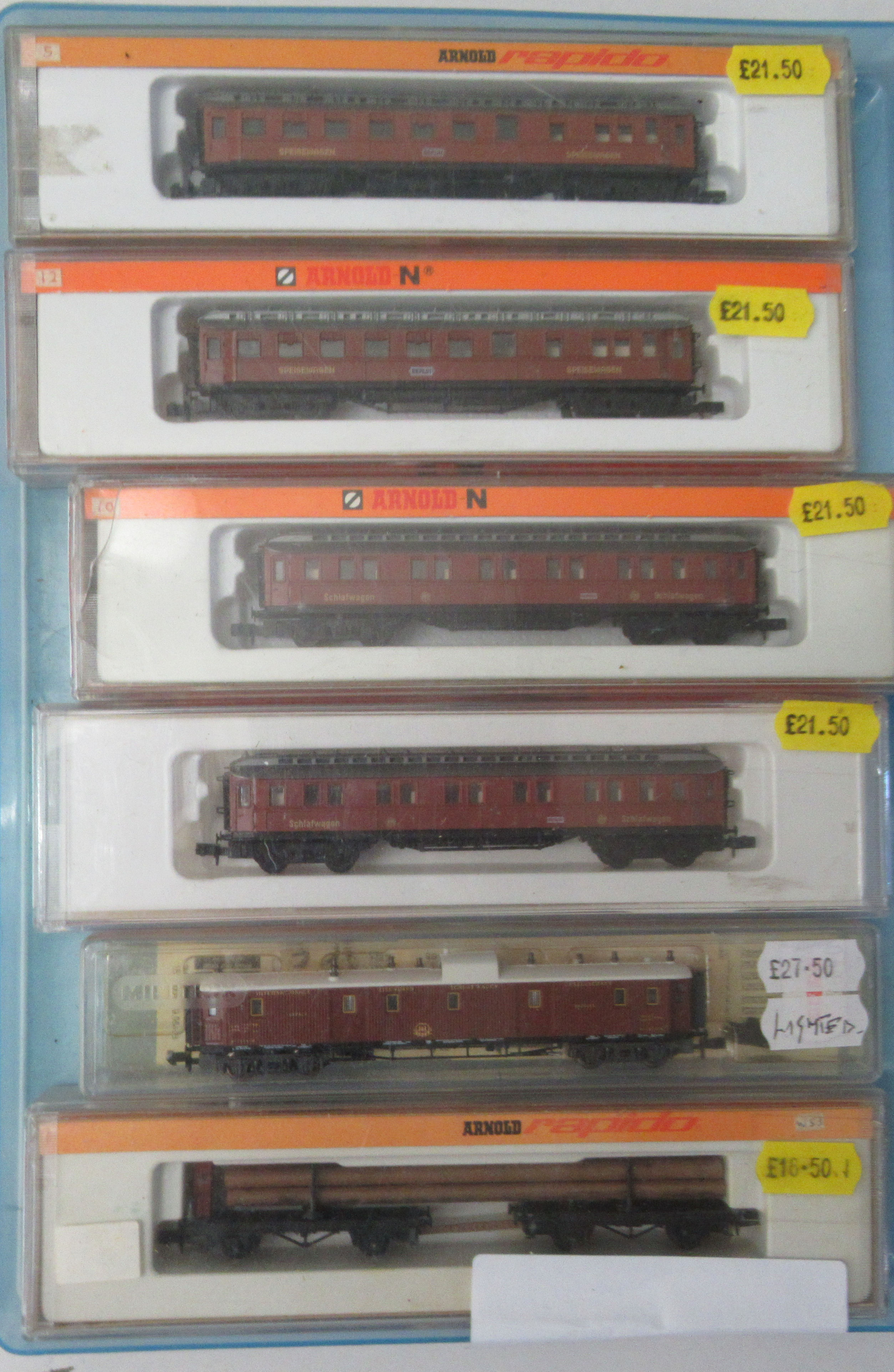 N gauge model railway accessories: to include four Arnold passenger coaches boxed