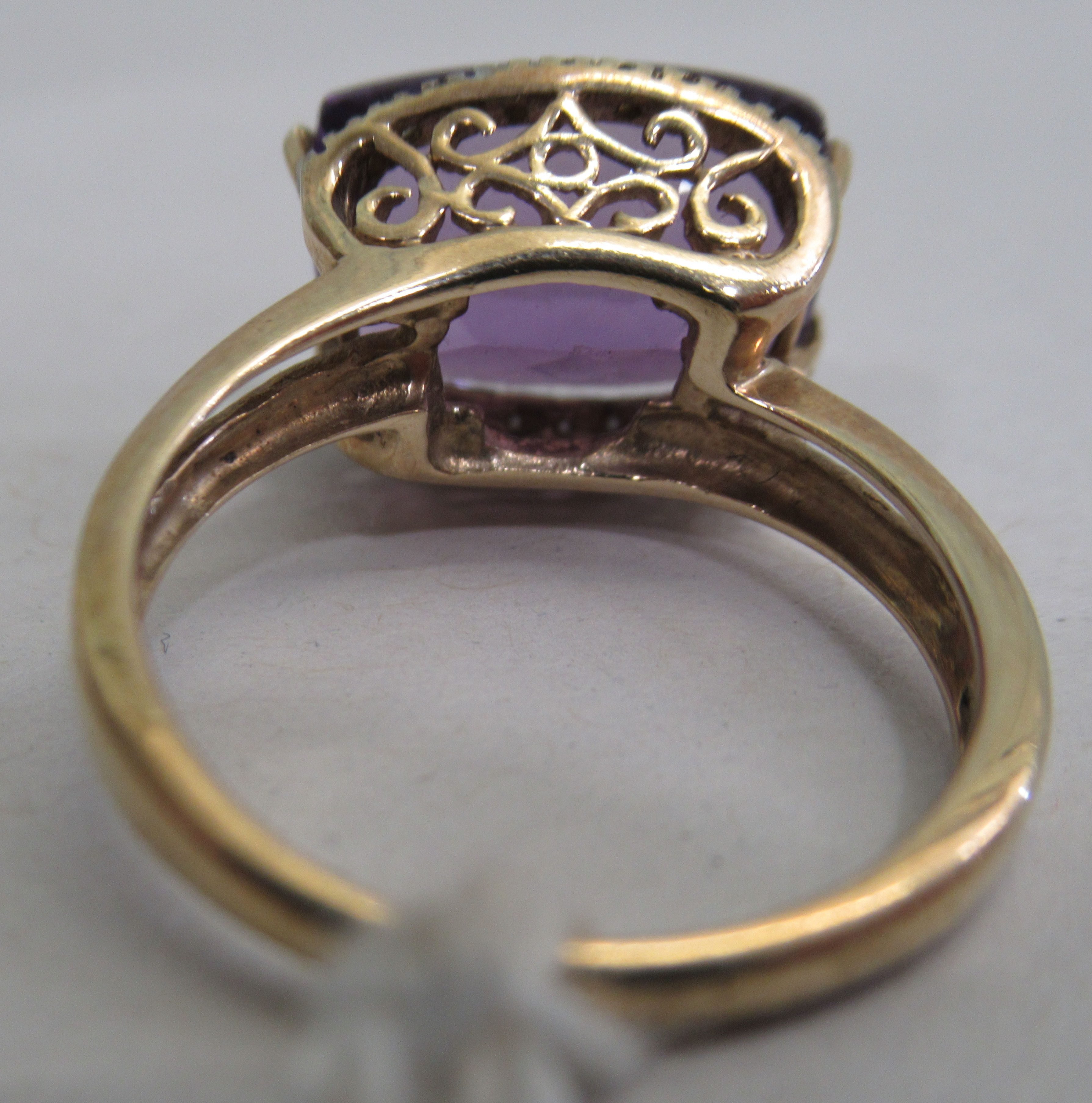 A 9ct gold amethyst and diamond ring - Image 3 of 3
