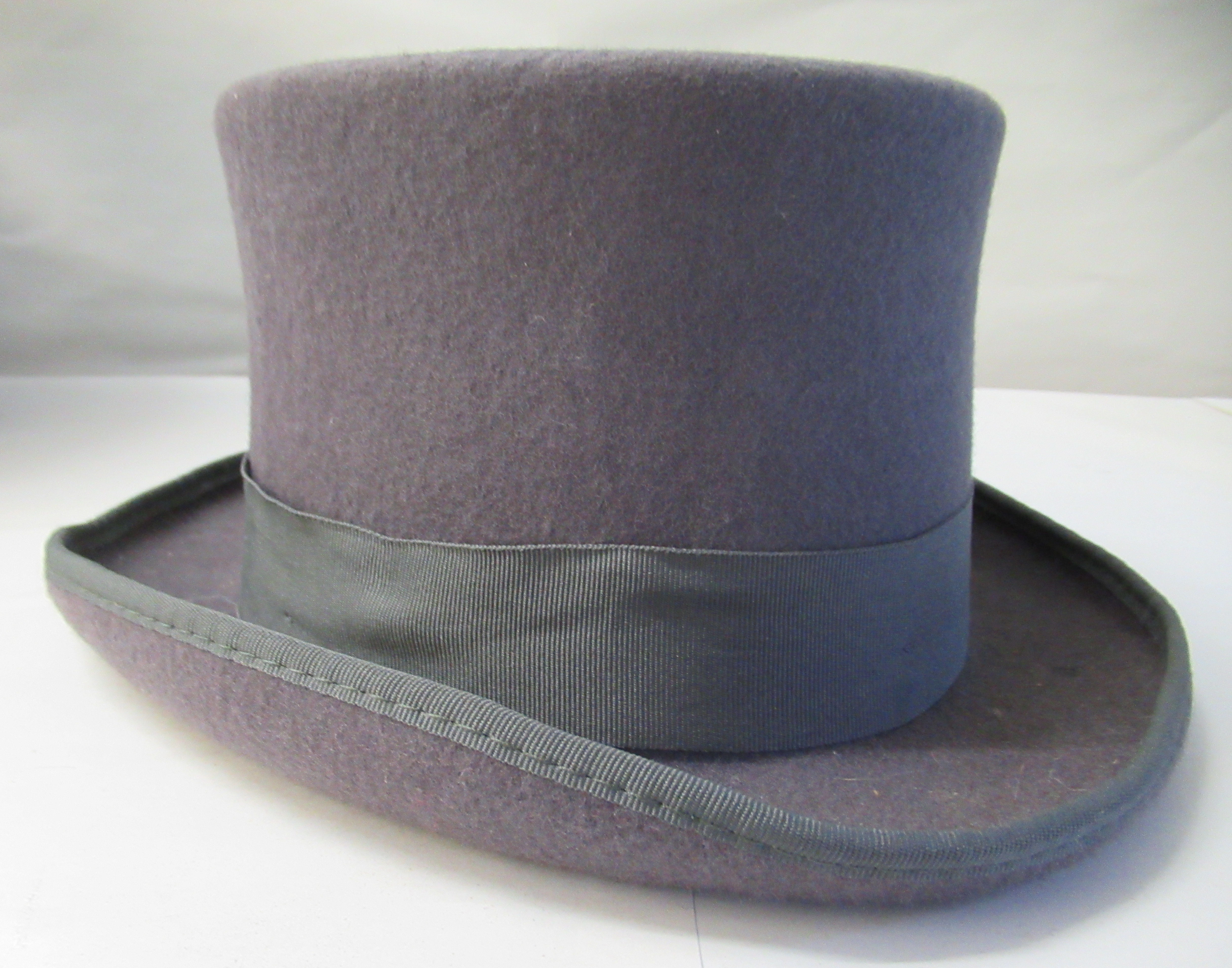 A Major Ware chocolate brown top hat size 6; a Major grey top hat size S; another, in brown - Image 6 of 7