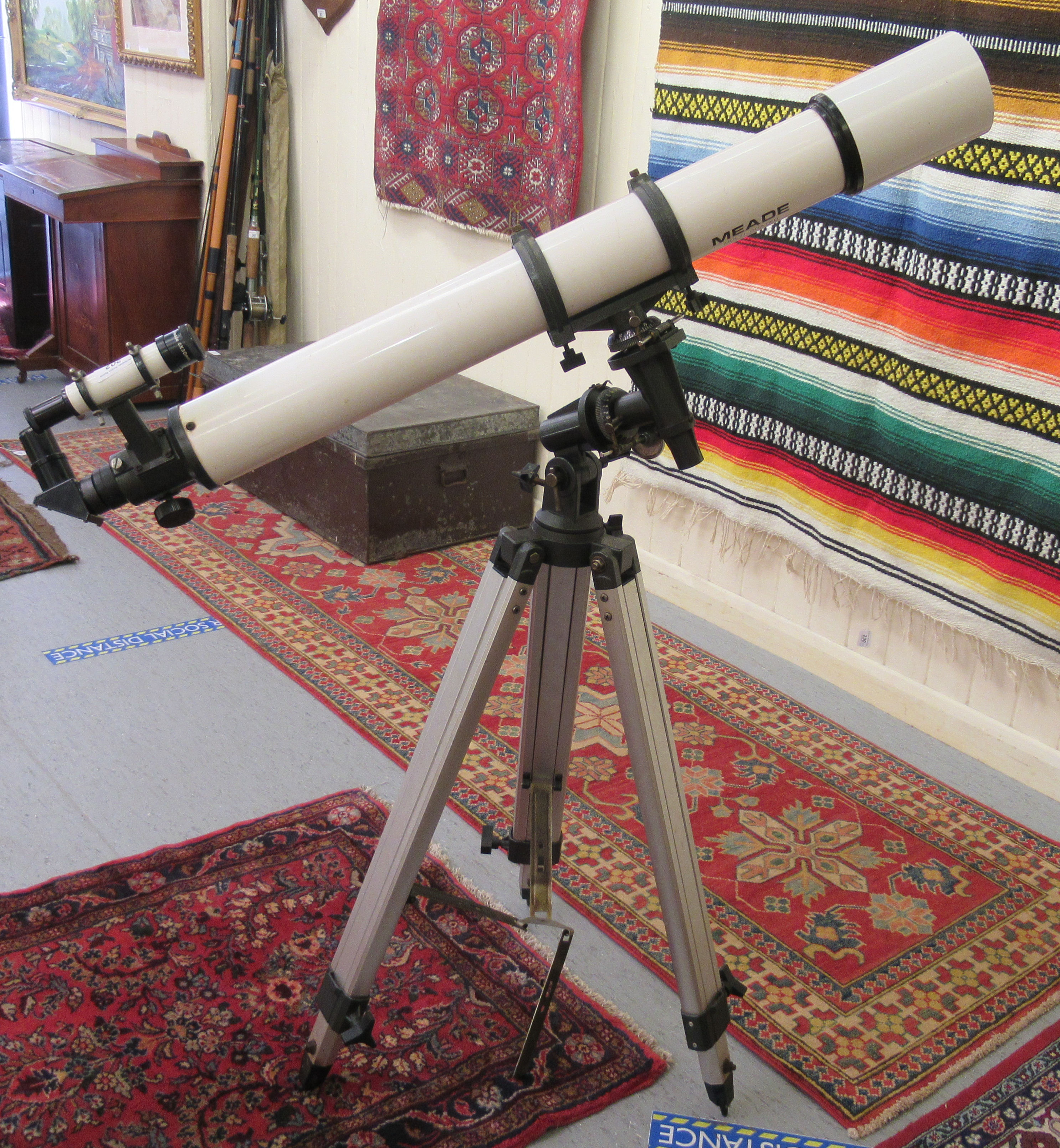 """A Meade telescope with a 6x30mm lens 41""""L, on a tripod stand 38""""h - Image 3 of 3"""