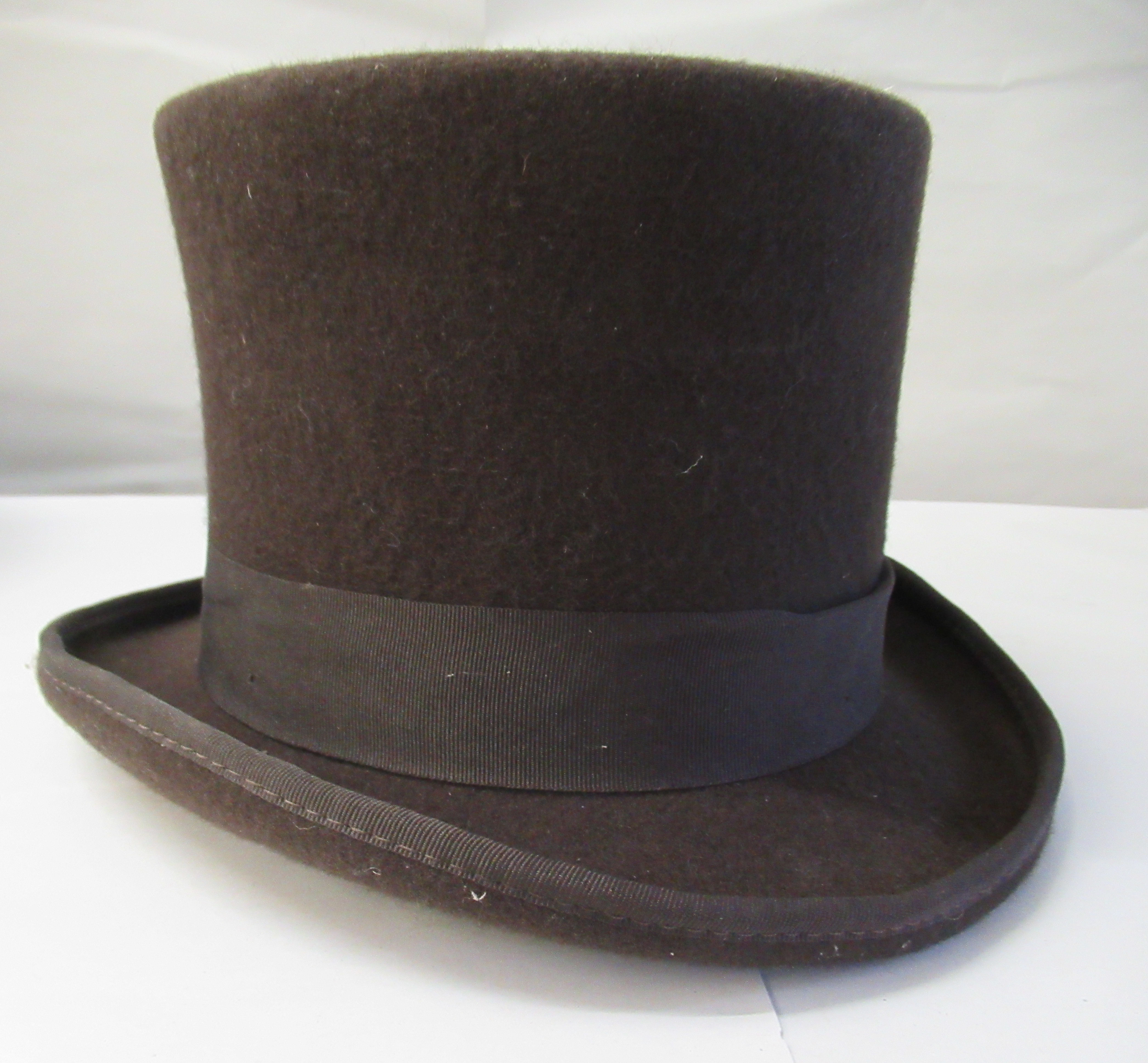 A Major Ware chocolate brown top hat size 6; a Major grey top hat size S; another, in brown - Image 4 of 7