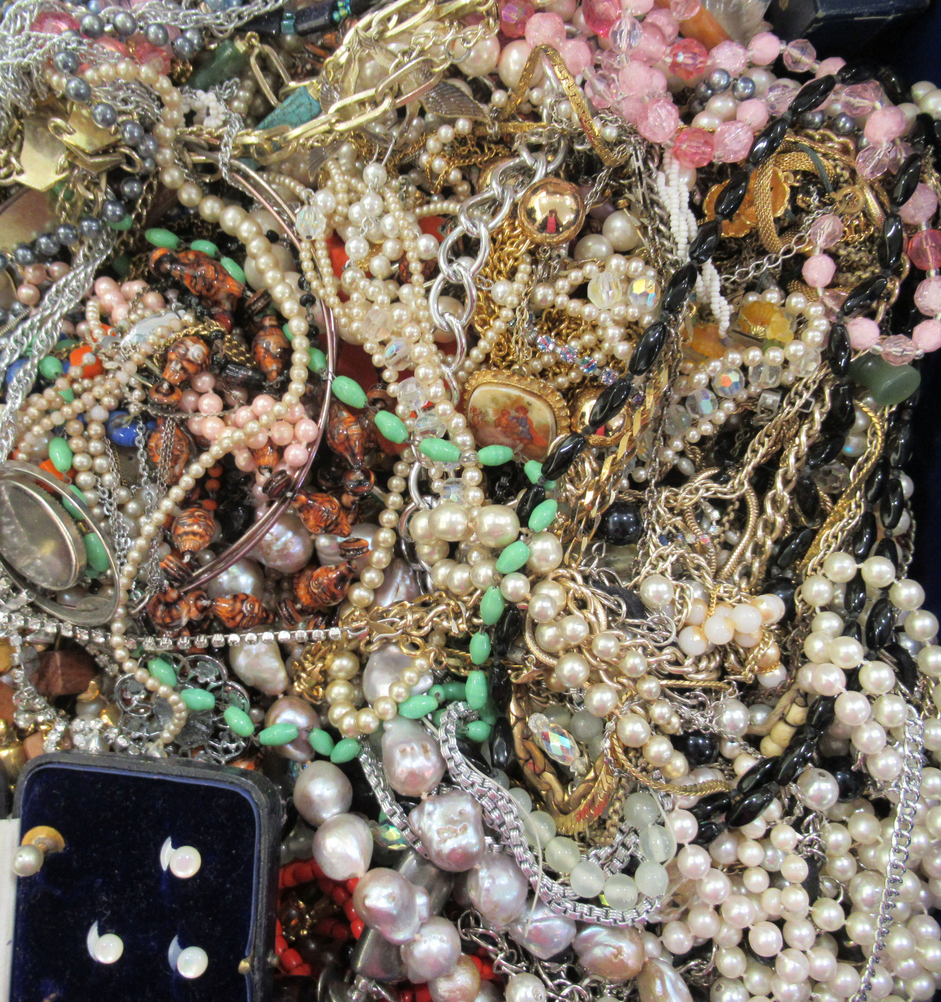Costume jewellery: to include bangles, necklaces and brooches