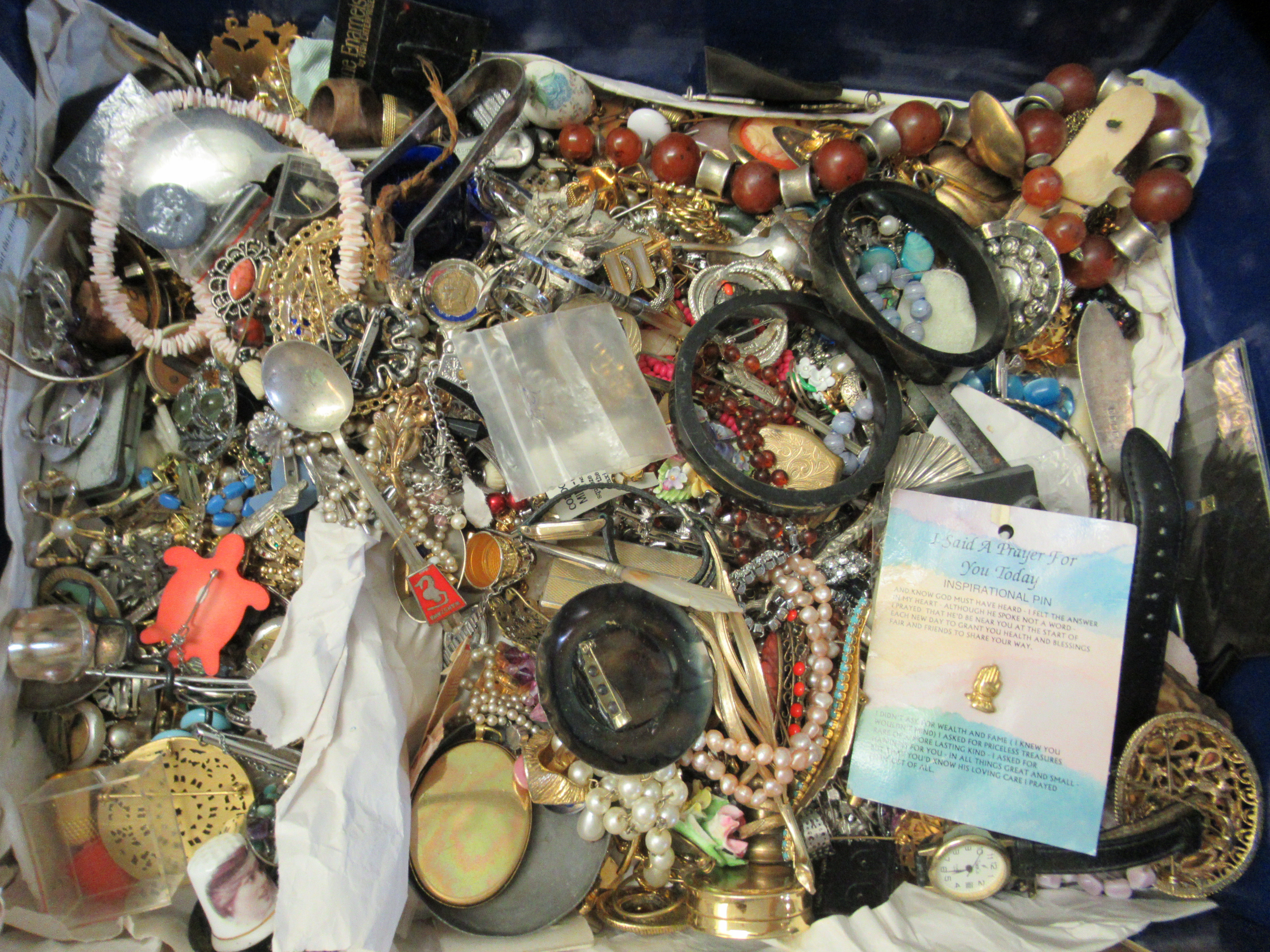 Costume jewellery: to include bangles, necklaces and brooches - Image 3 of 5