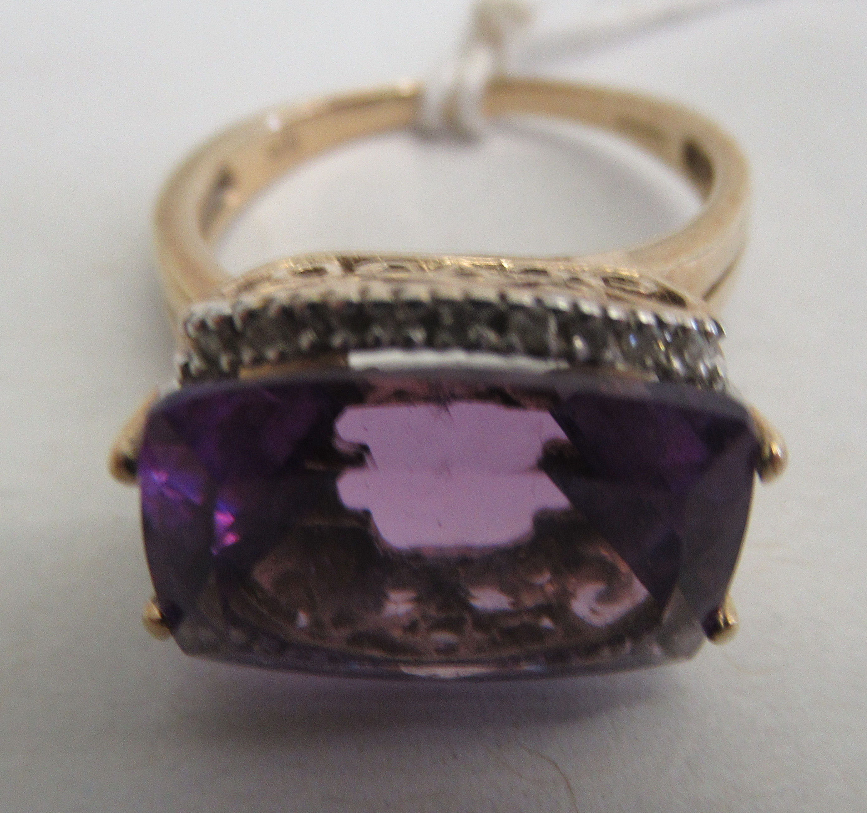 A 9ct gold amethyst and diamond ring - Image 2 of 3