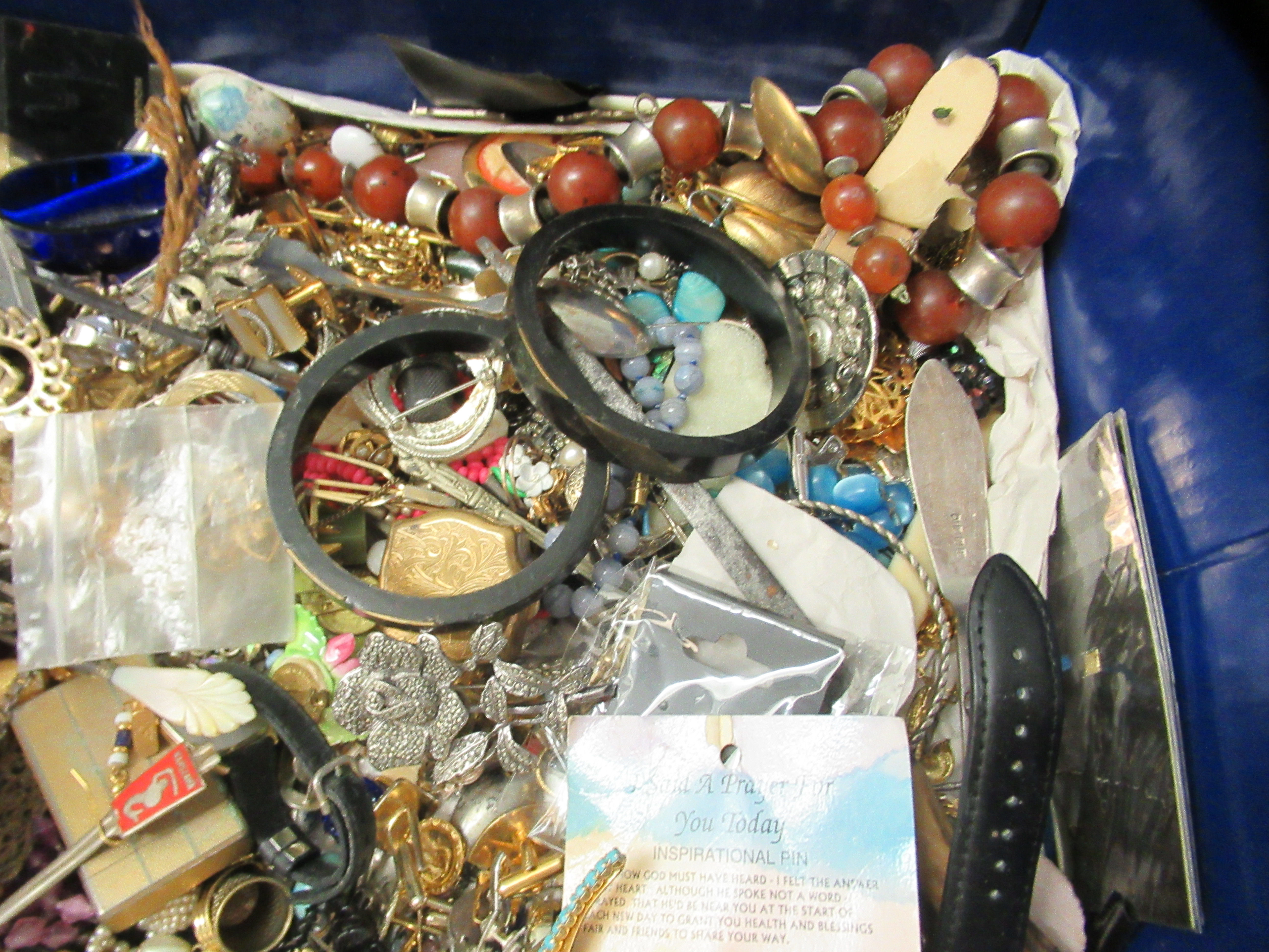 Costume jewellery: to include bangles, necklaces and brooches - Image 4 of 5