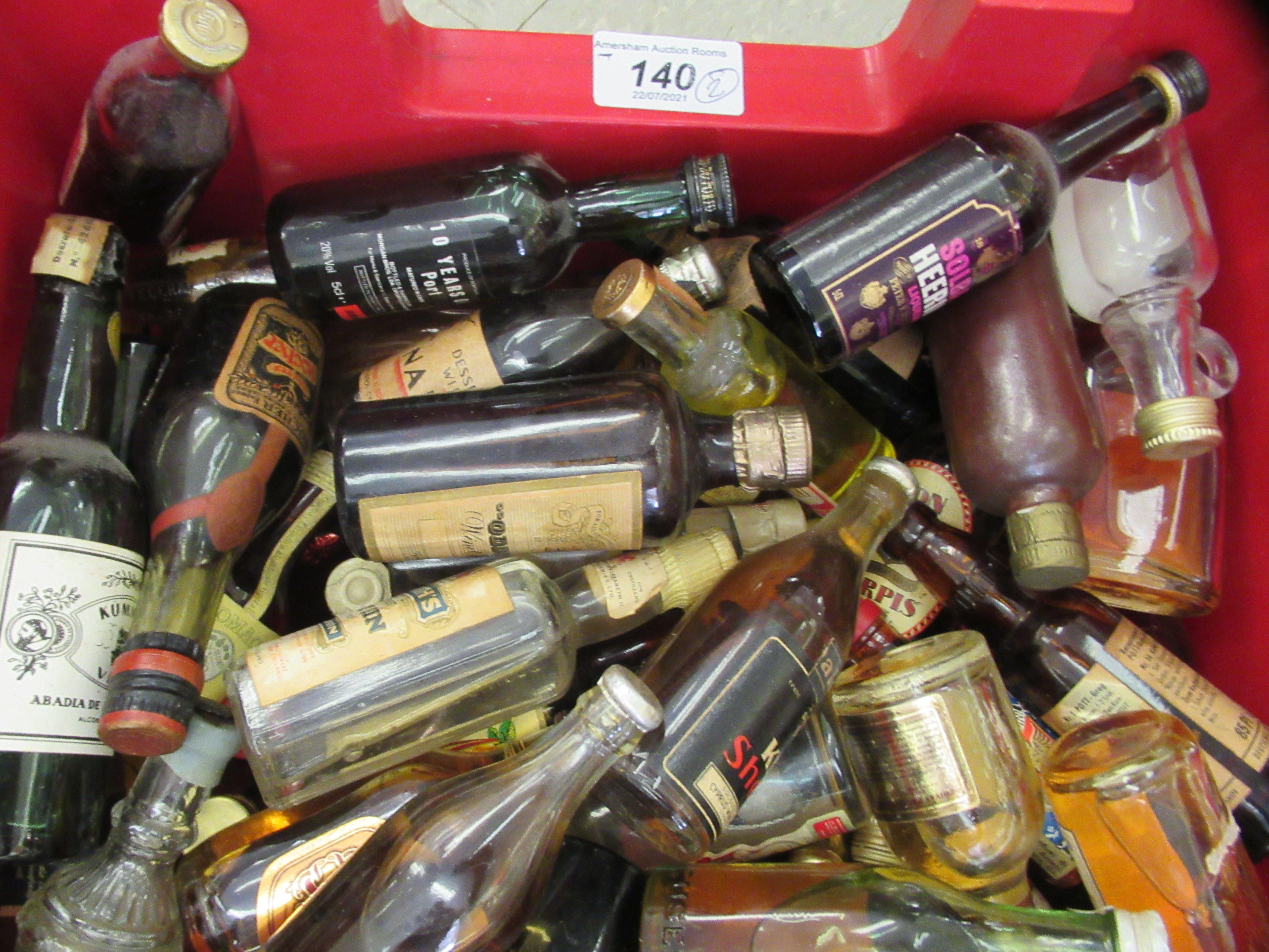 Approx. 300 spirit miniatures: to include whisky and liqueurs - Image 3 of 5