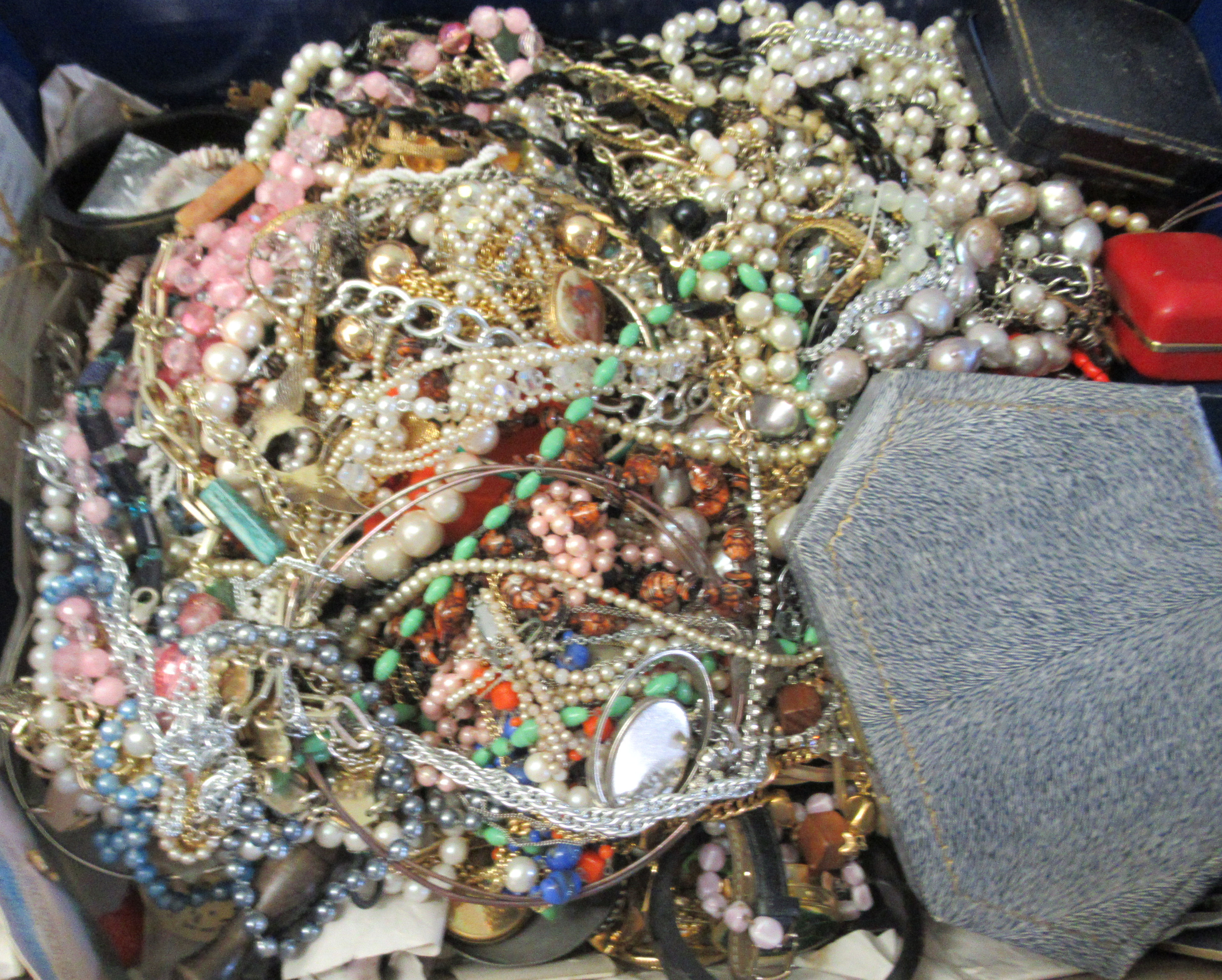 Costume jewellery: to include bangles, necklaces and brooches - Image 2 of 5