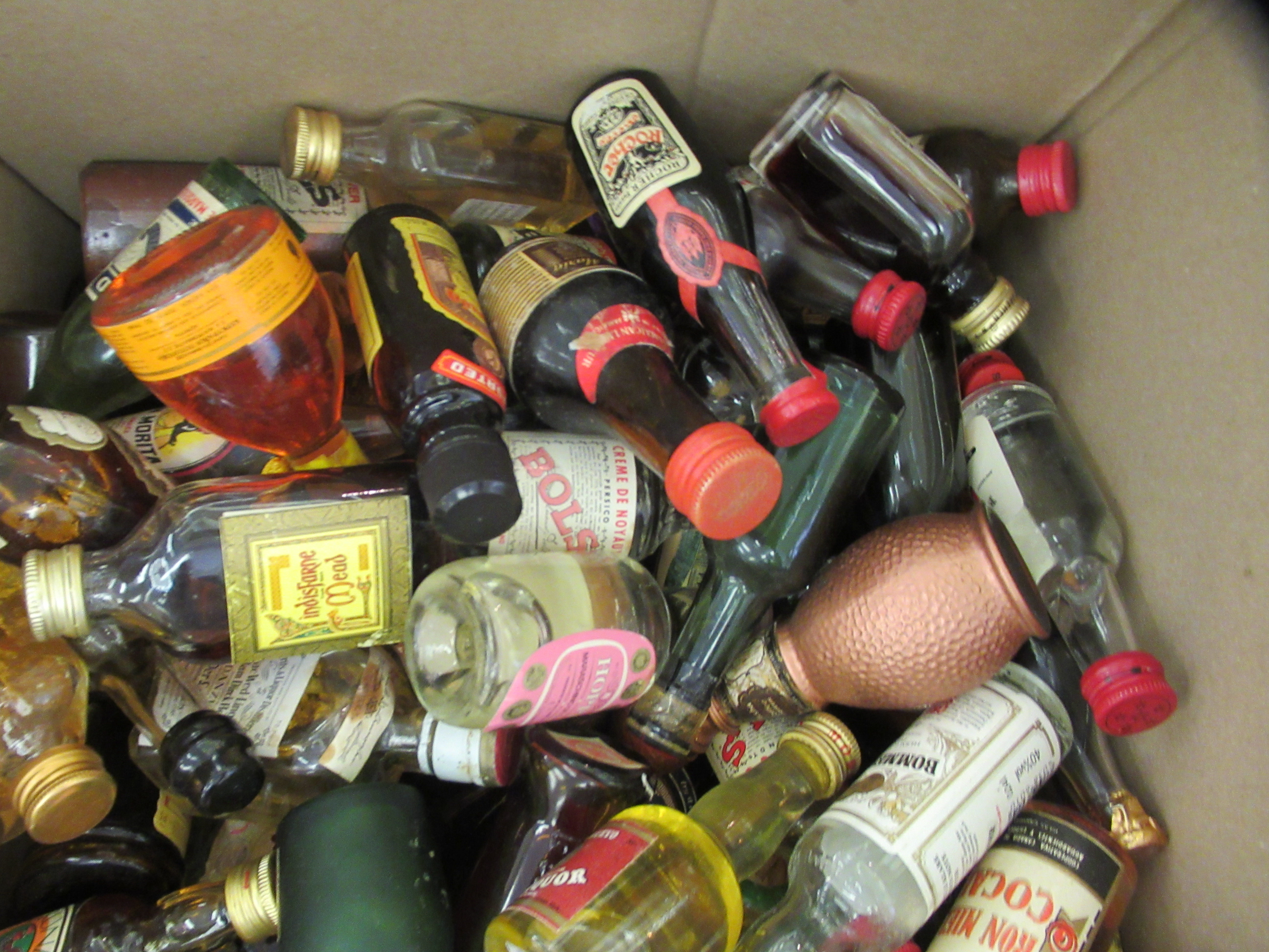Approx. 300 spirit miniatures: to include whisky and liqueurs - Image 4 of 5