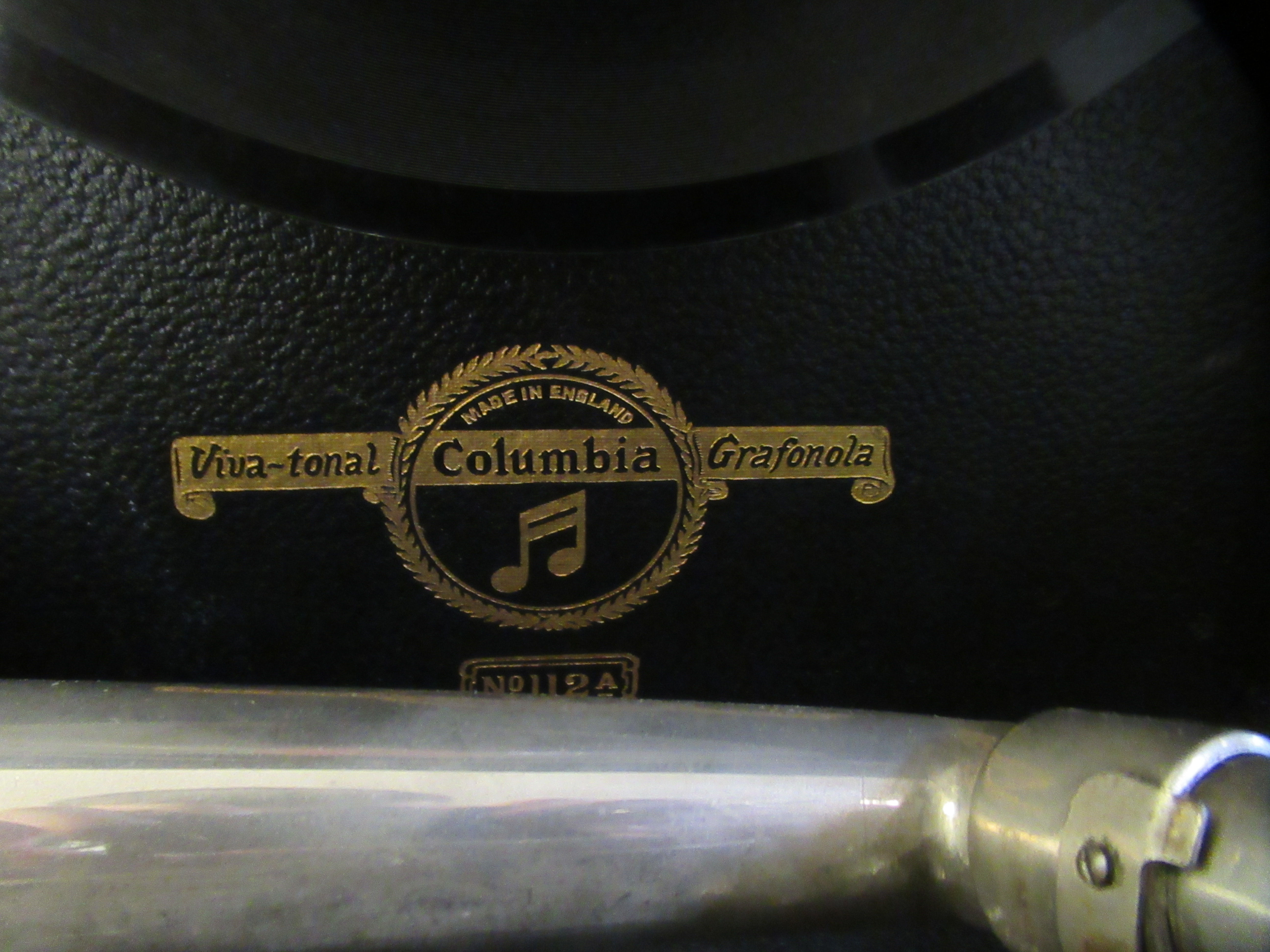 A 1930s Columbia portable gramophone with a folding handle, in a black fabric covered case - Image 2 of 5