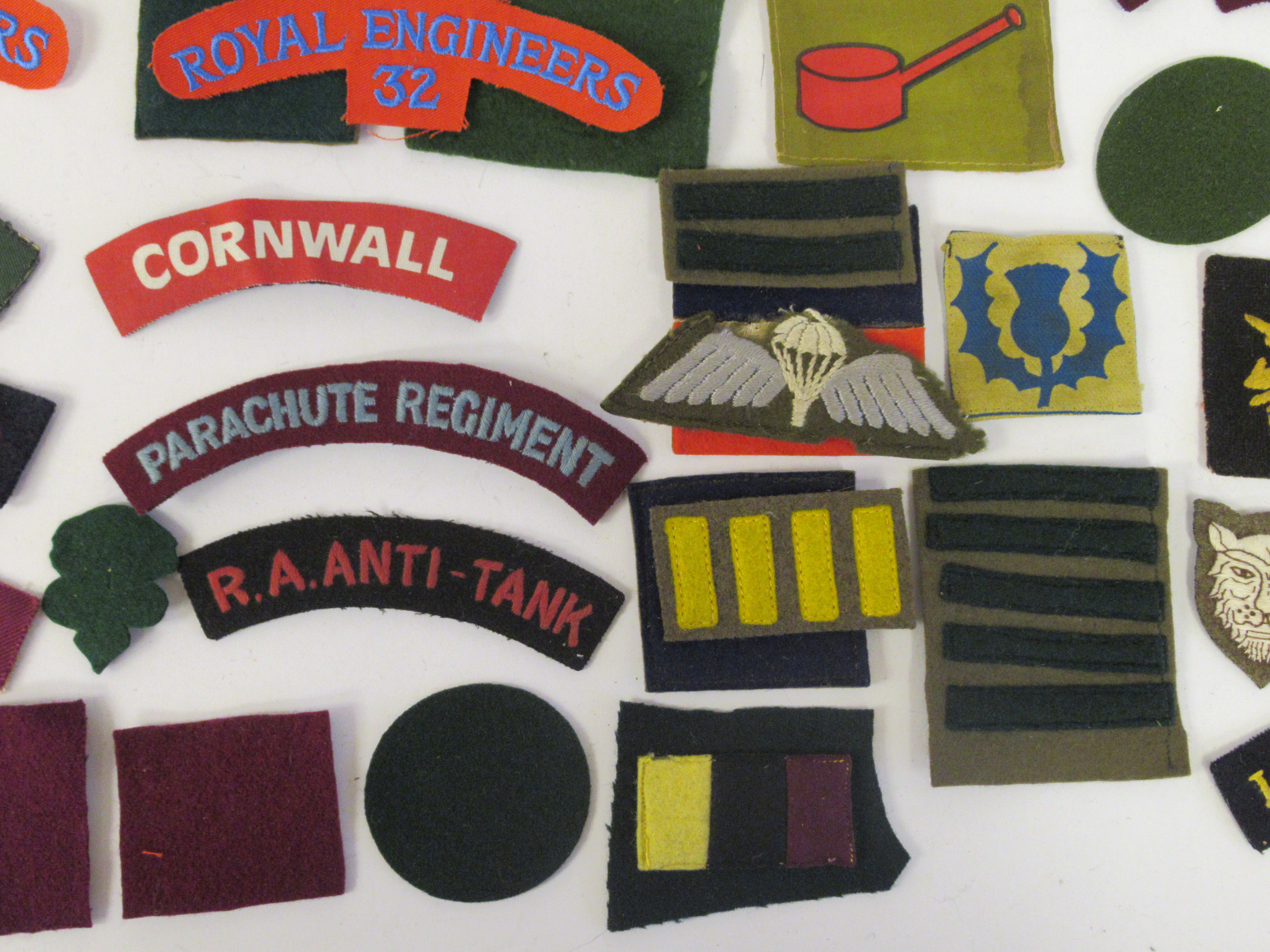 An uncollated collection of military cloth uniform badges: to include North Irish Horse, No8 - Image 4 of 8