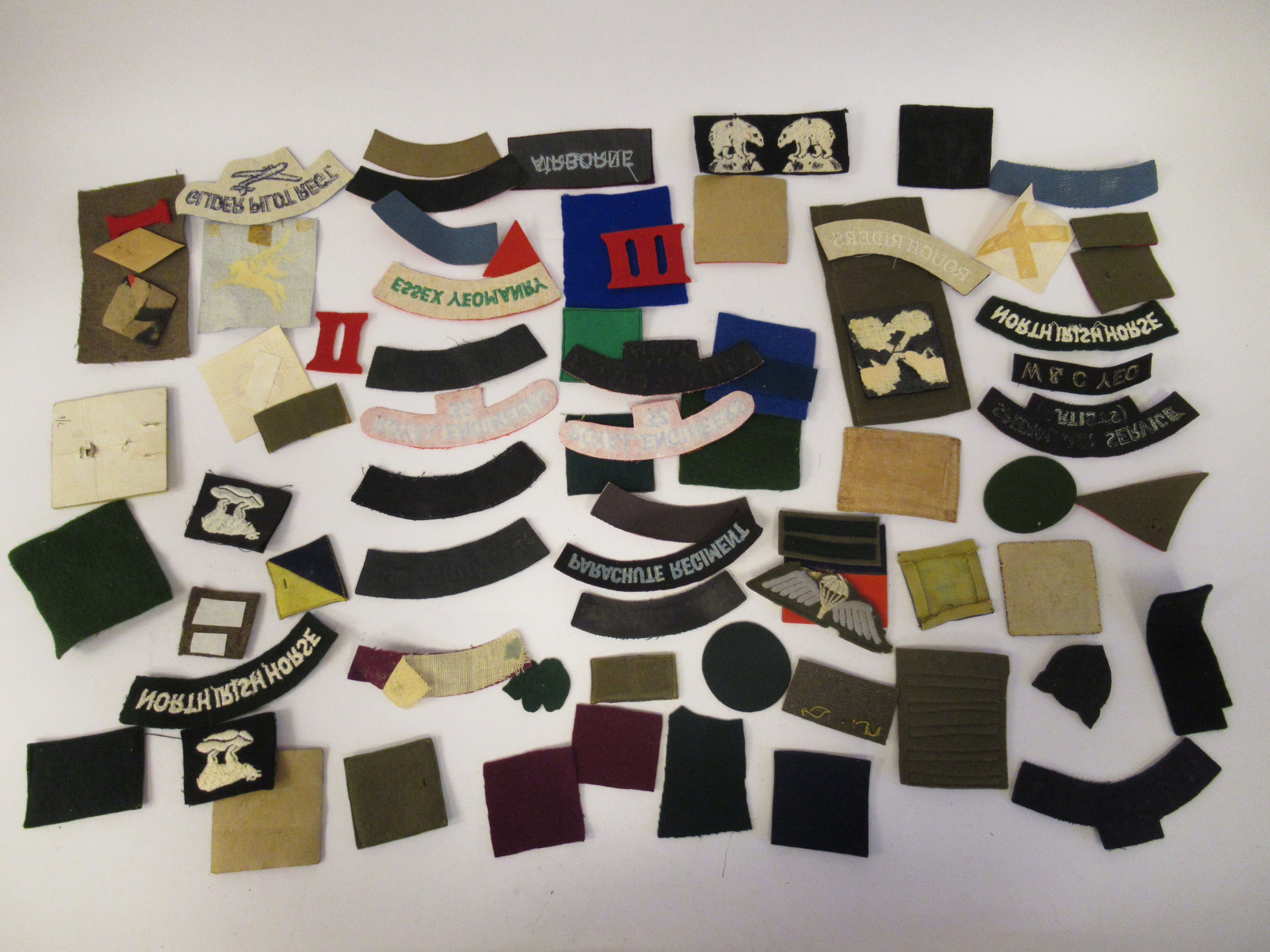 An uncollated collection of military cloth uniform badges: to include North Irish Horse, No8 - Image 8 of 8
