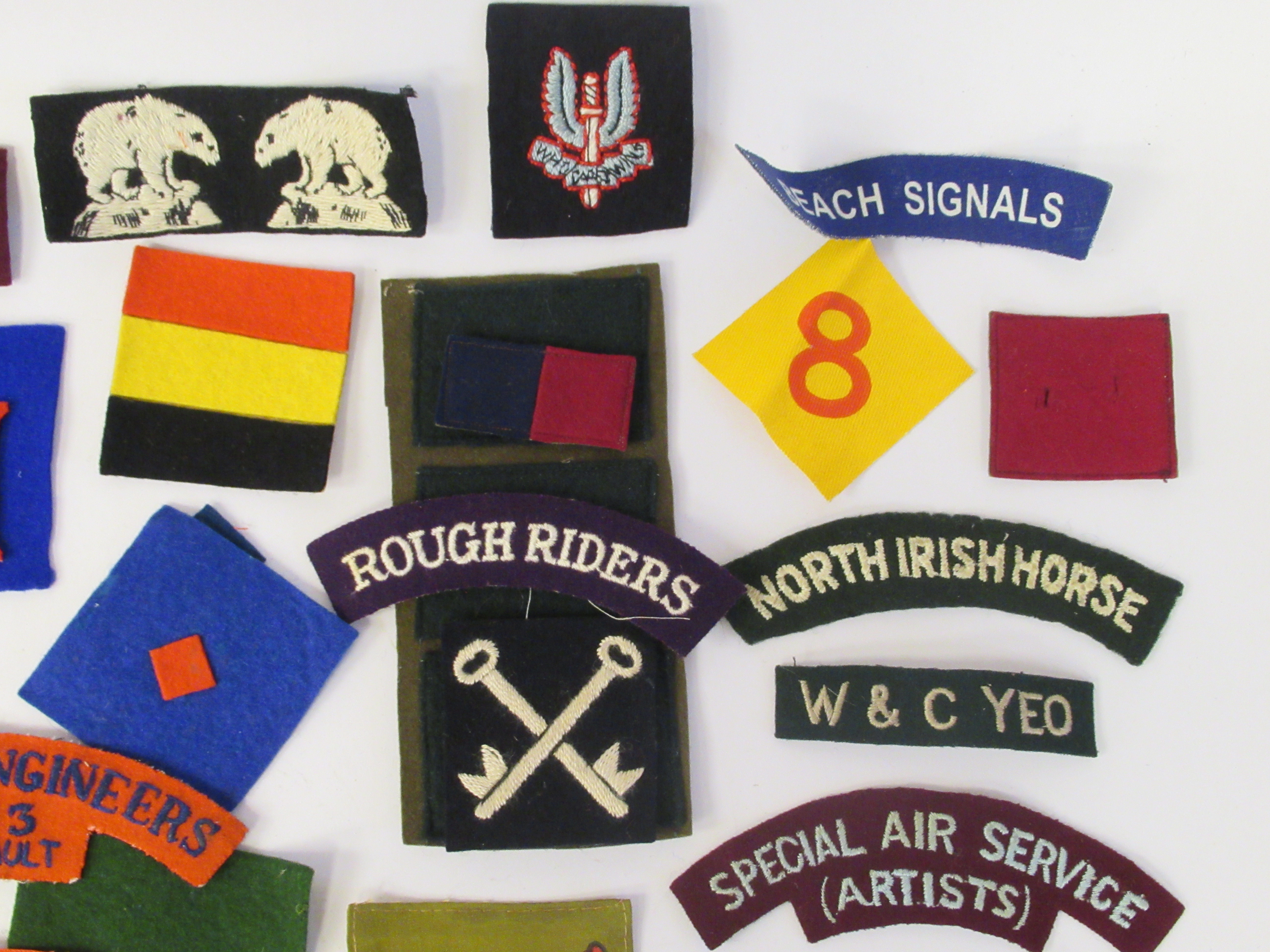 An uncollated collection of military cloth uniform badges: to include North Irish Horse, No8 - Image 6 of 8