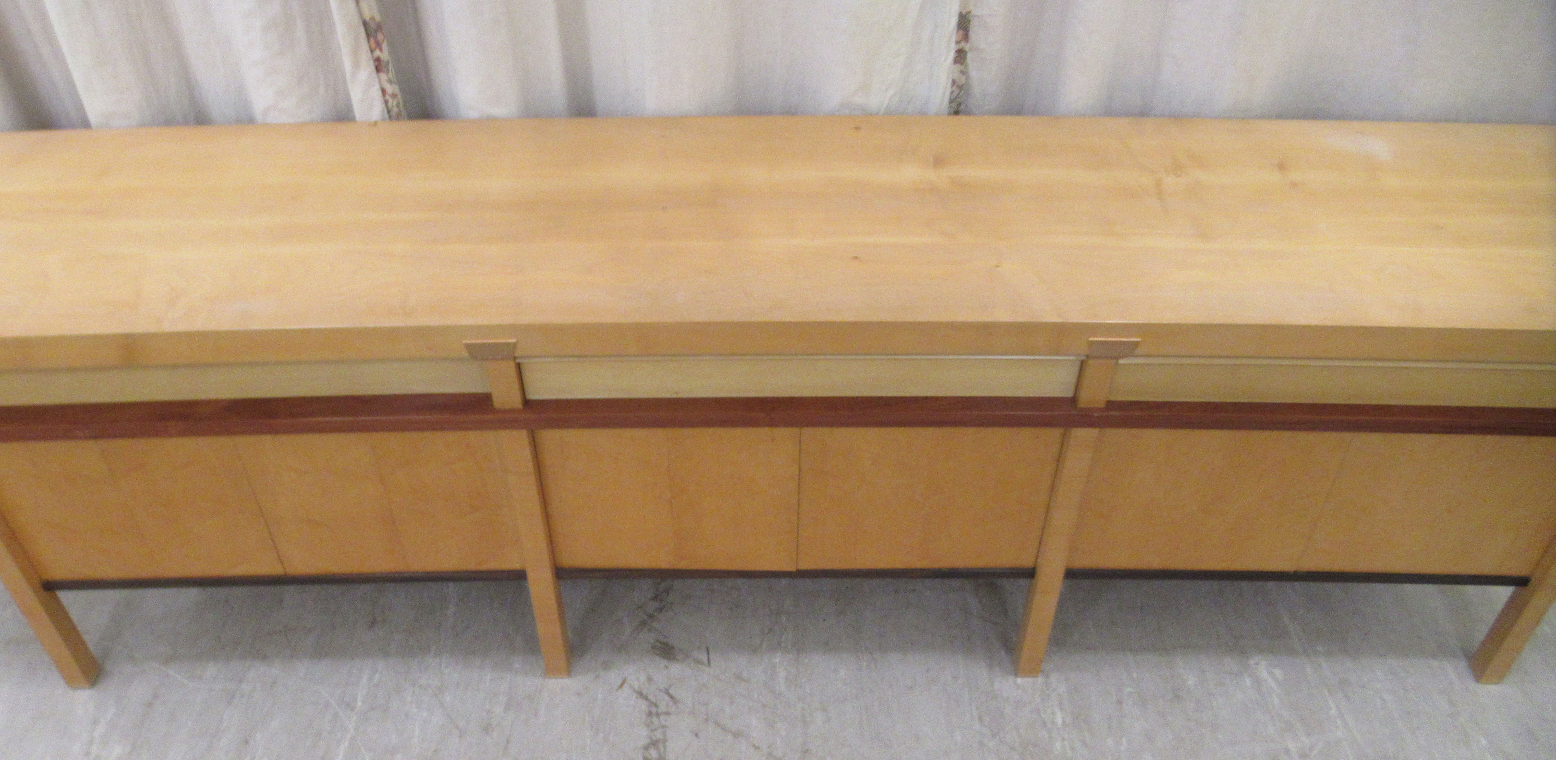A 1960sJohn Makepeace OBE sideboard, constructed in sycamore, Andaman padauk and holly, - Image 2 of 12