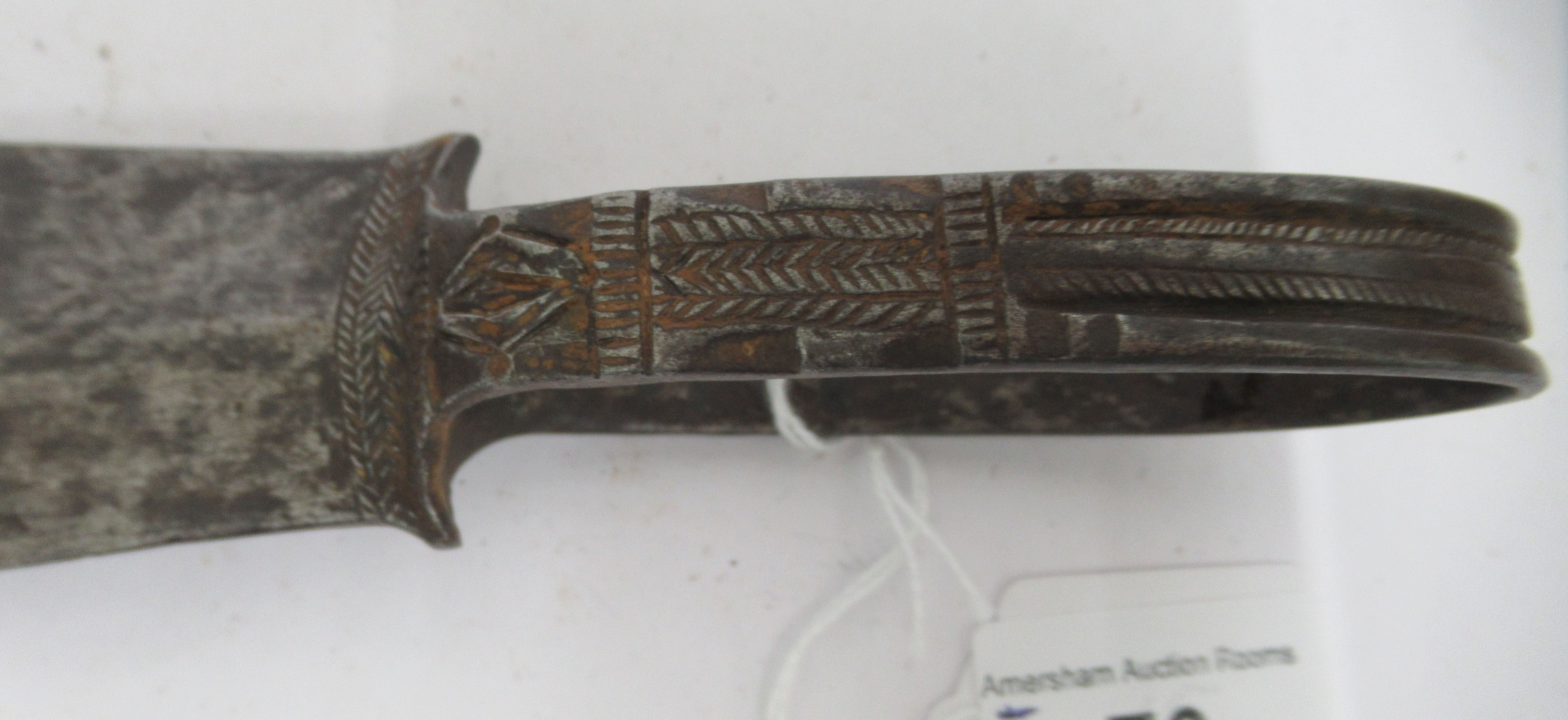 """A late 19thC North Eastern Nigerian Tiv Tribe loop handled steel archers dagger 10.5""""L overall - Image 4 of 9"""