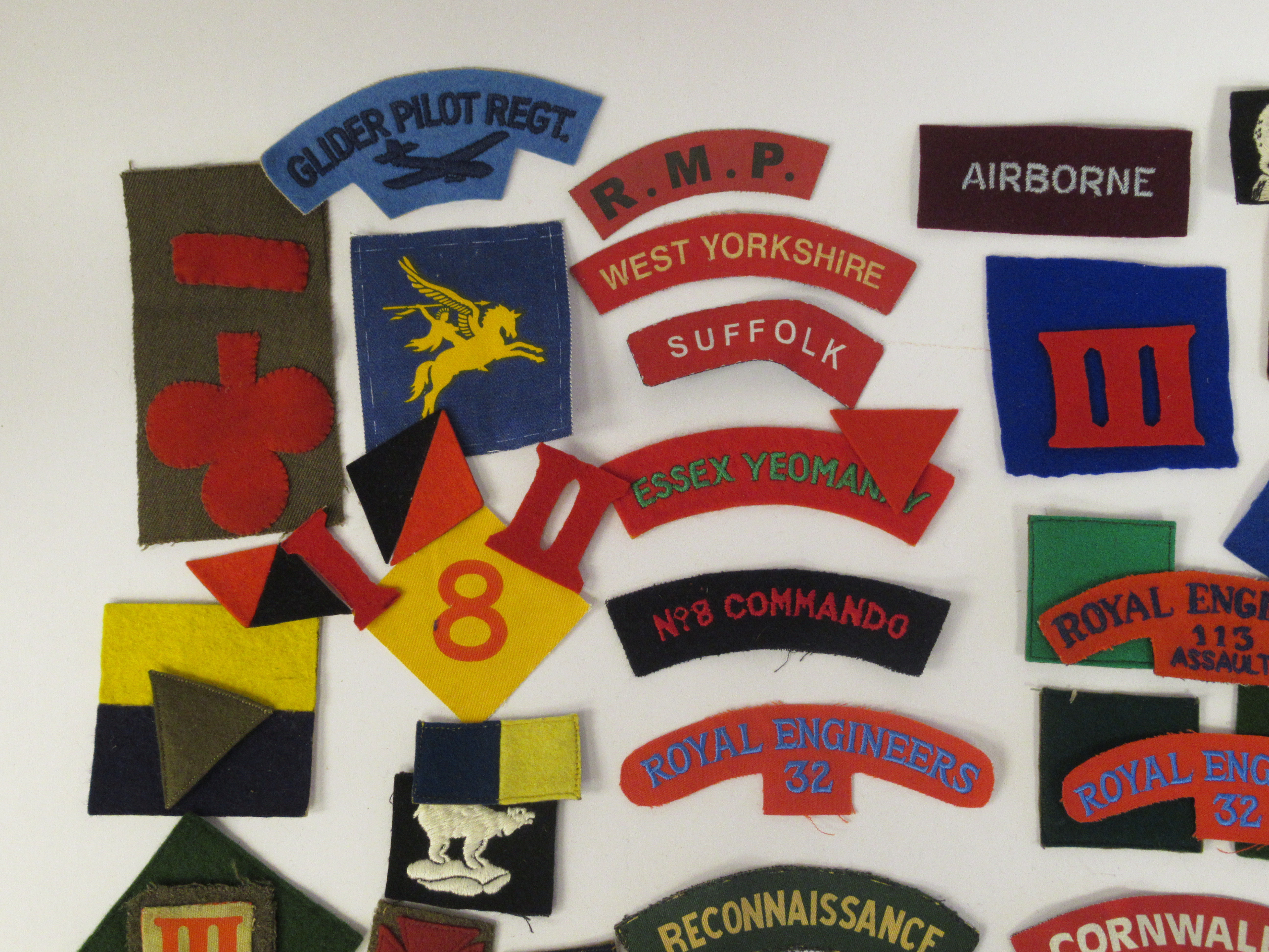 An uncollated collection of military cloth uniform badges: to include North Irish Horse, No8 - Image 2 of 8