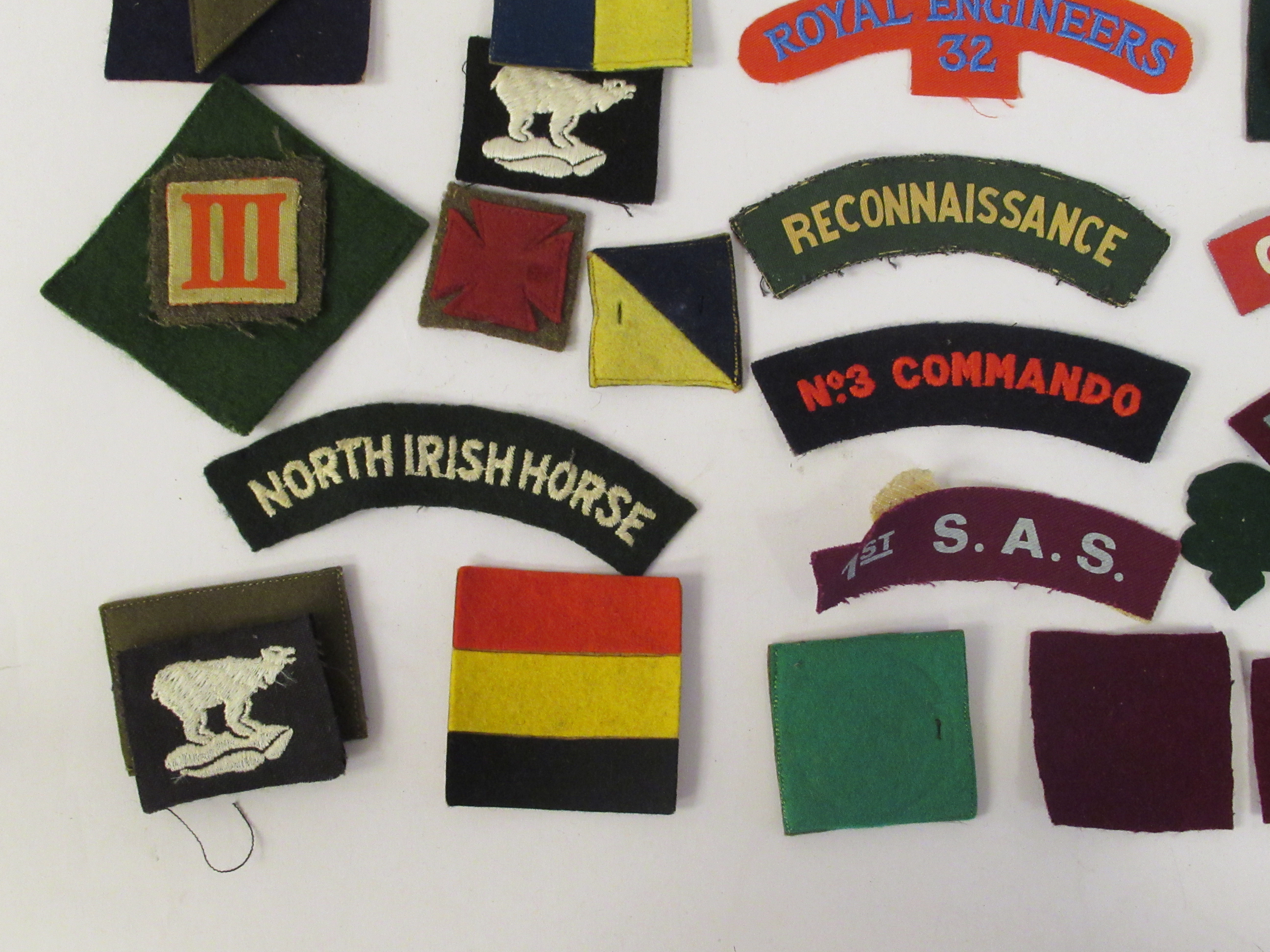 An uncollated collection of military cloth uniform badges: to include North Irish Horse, No8 - Image 3 of 8