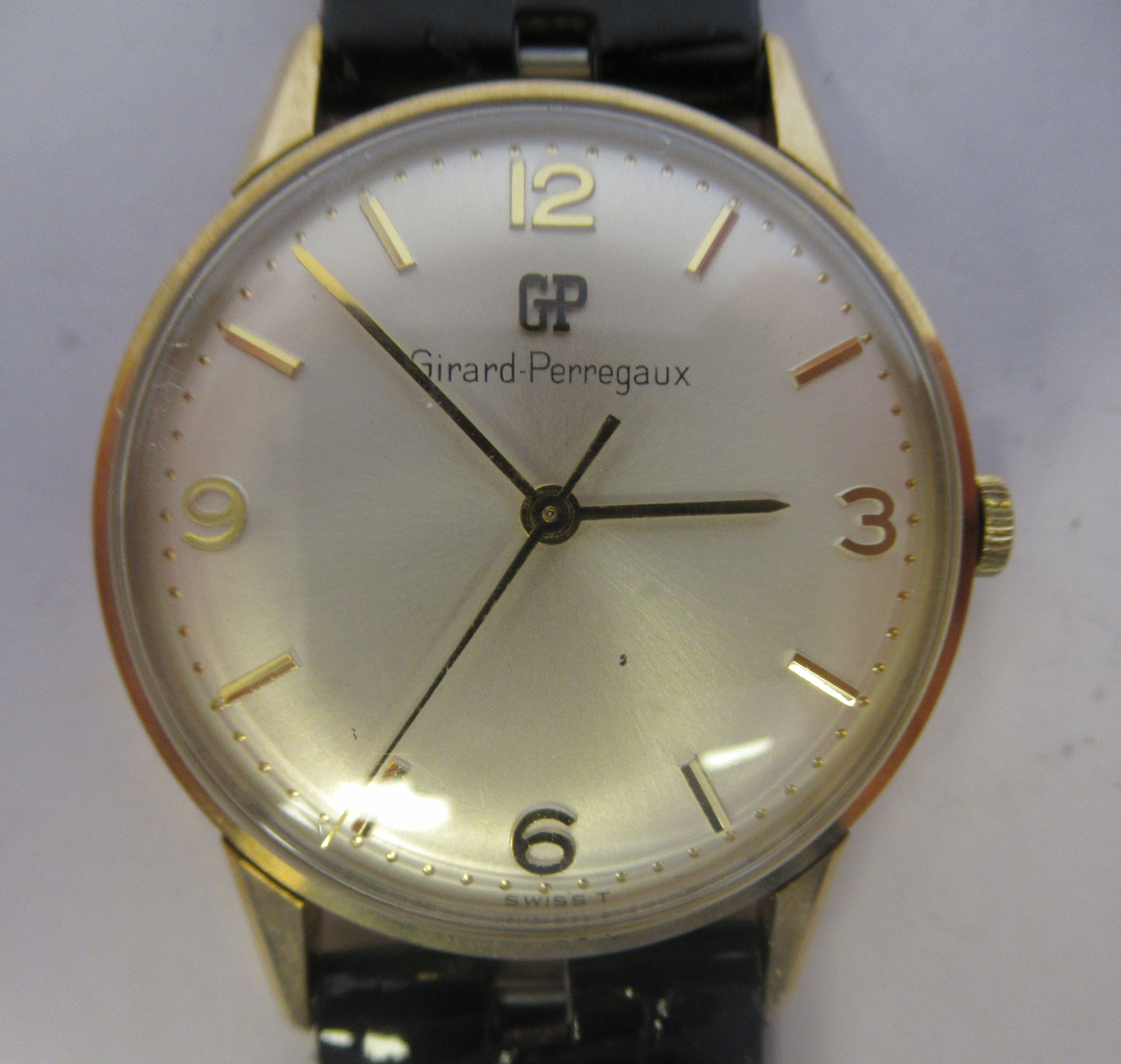 A 1966 Giraird-Perregaux 9ct gold cased wristwatch, the movement with sweeping seconds, faced by