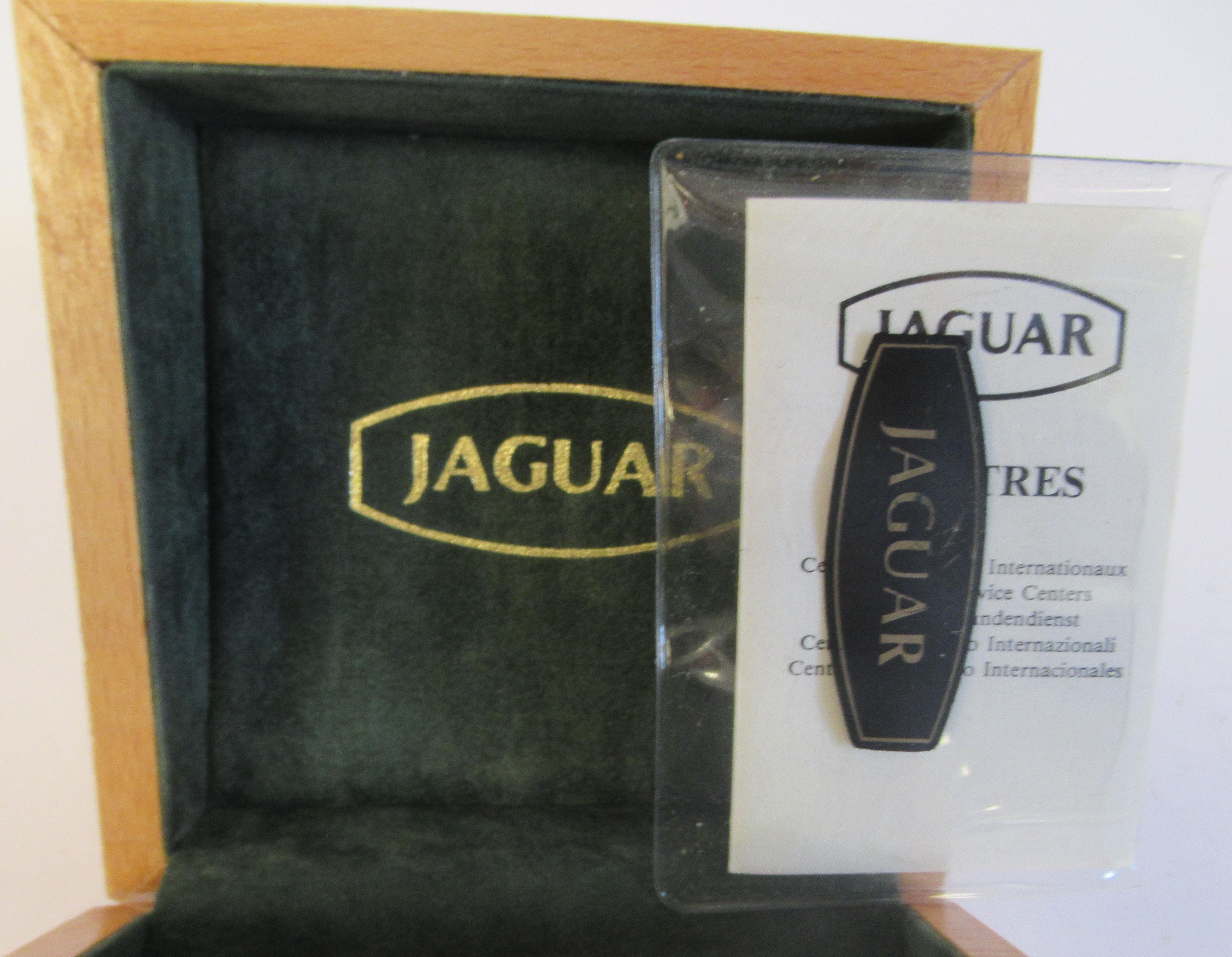 A 1980s Jaguar 18ct gold cased model J505CH quartz wristwatch (cal ETA 955-54) faced by a baton - Image 6 of 6