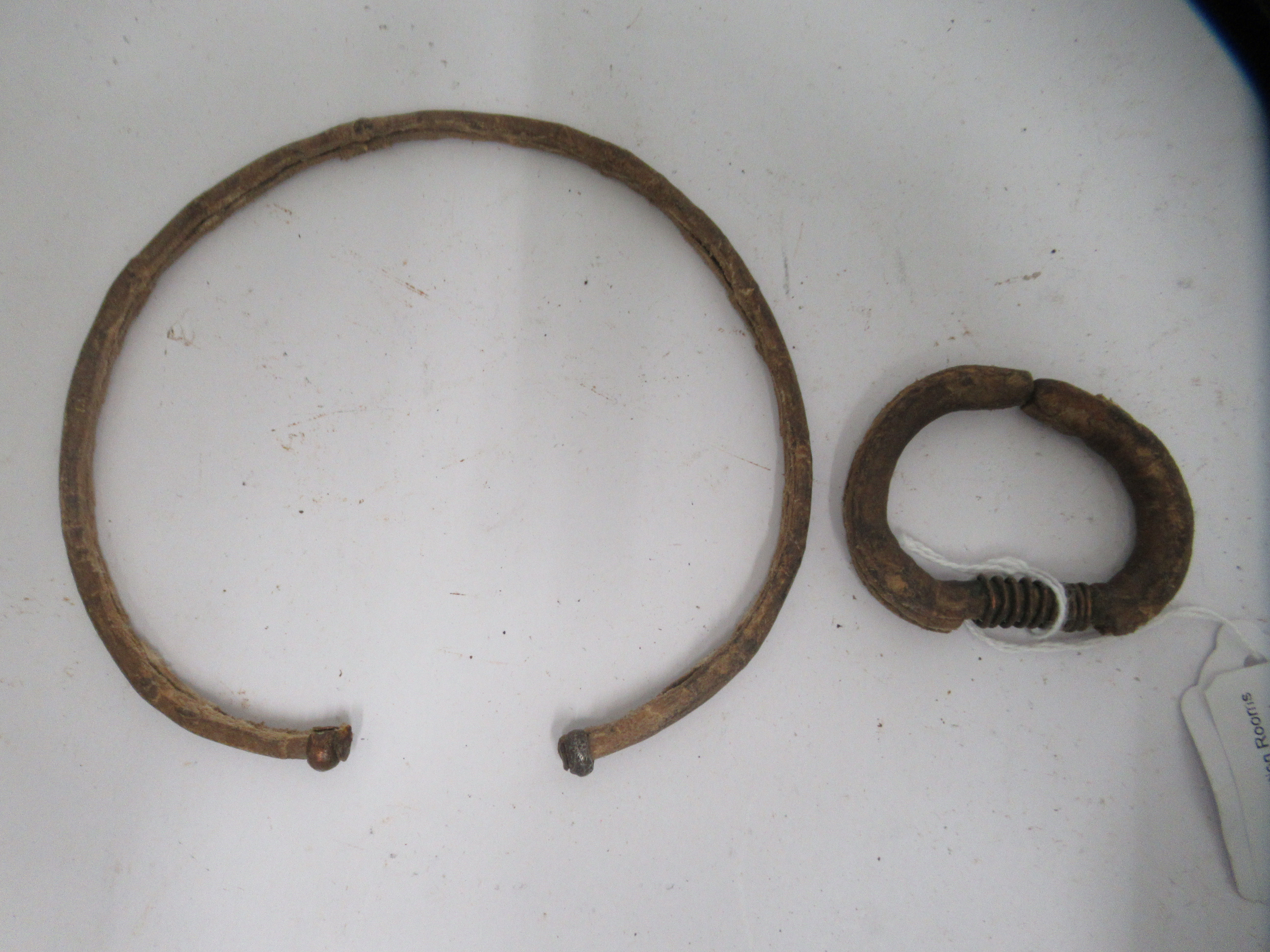 """A 20thC African metal fighting bracelet 4.75""""w - Image 4 of 4"""