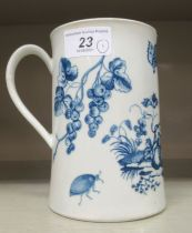 A late 18thC Royal Worcester porcelain cylindrical tankard, decorated in blue and white with a