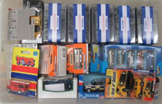Uncollated, boxed, diecast model vehicles: to include Land Rover and emergency services with