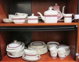 """Ceramics: to include a Royal Grafton china Christmas 1989 plate 8""""dia"""