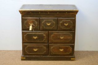 Early 20th C chest of drawers.