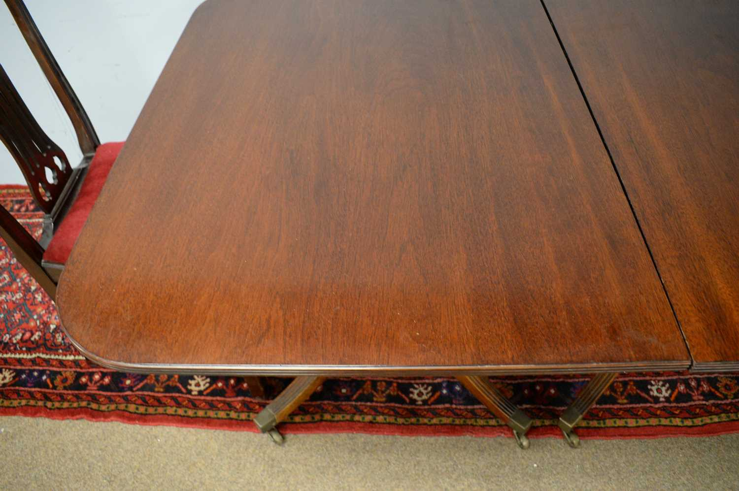 20th C George III style dining room suite. - Image 3 of 3