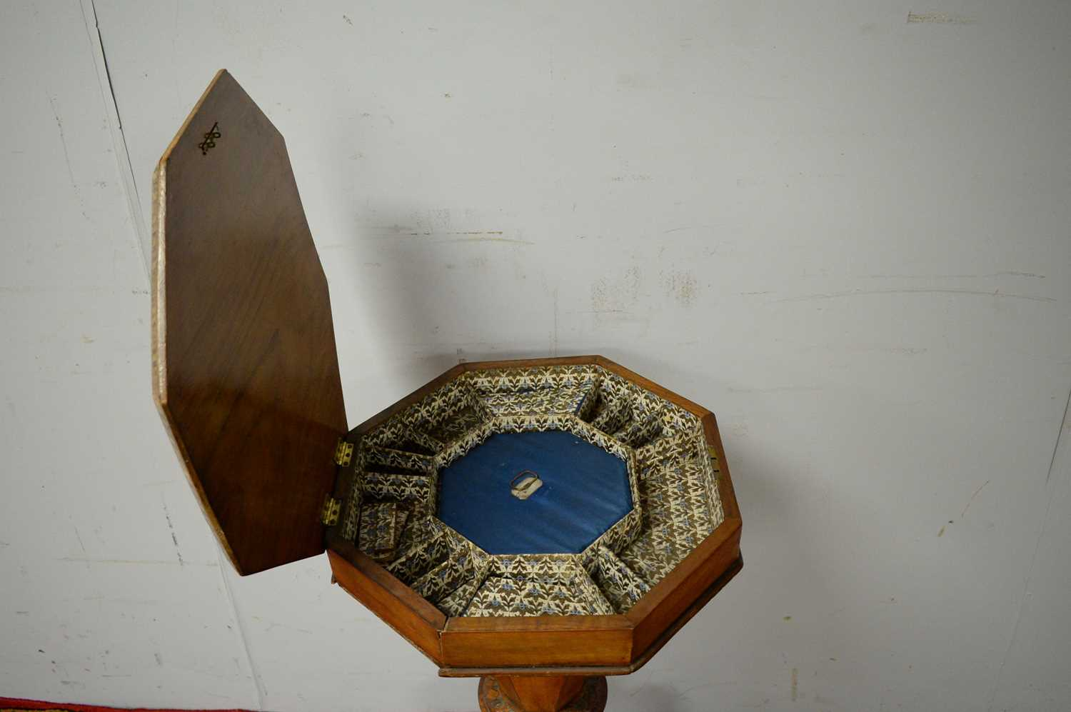 Victorian walnut work table. - Image 5 of 5