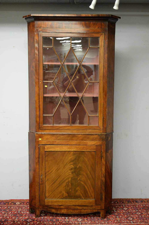 19th C mahogany corner cabinet. - Image 2 of 3