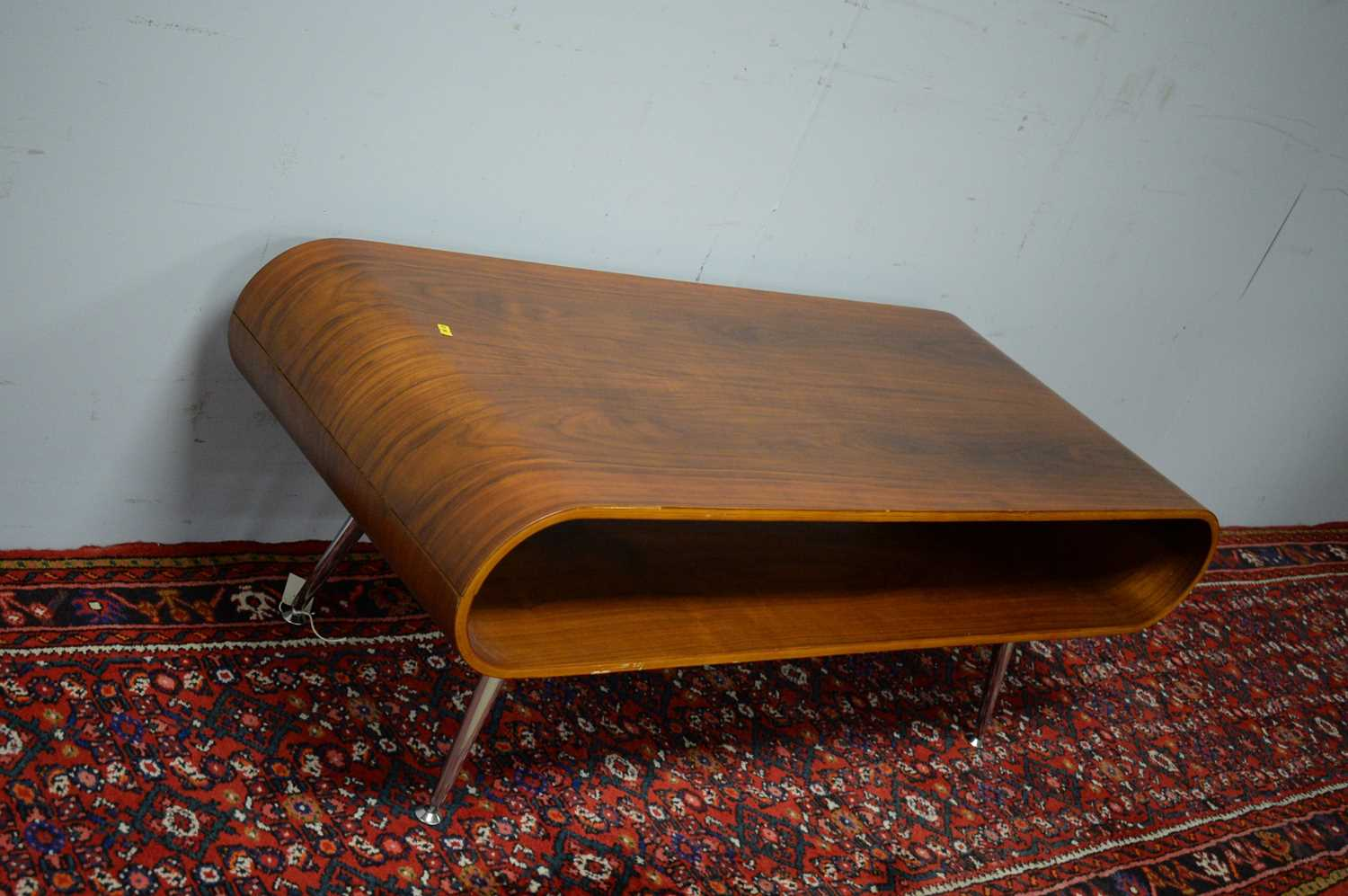 Late 20th C simulated rosewood TV stand. - Image 4 of 5