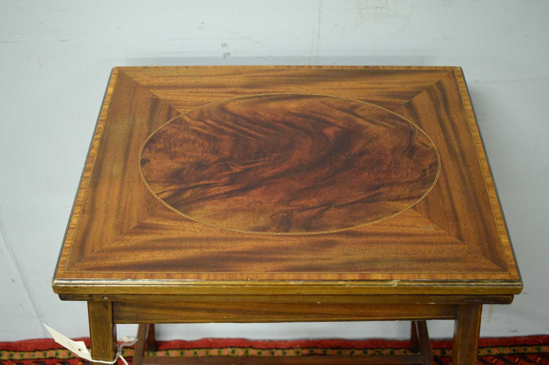 An Edwardian mahogany card table - Image 4 of 5