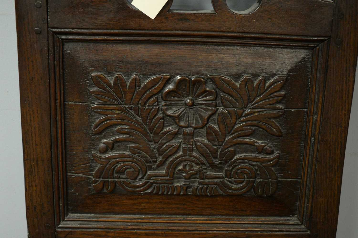 Late 19th C oak hall chair. - Image 4 of 5