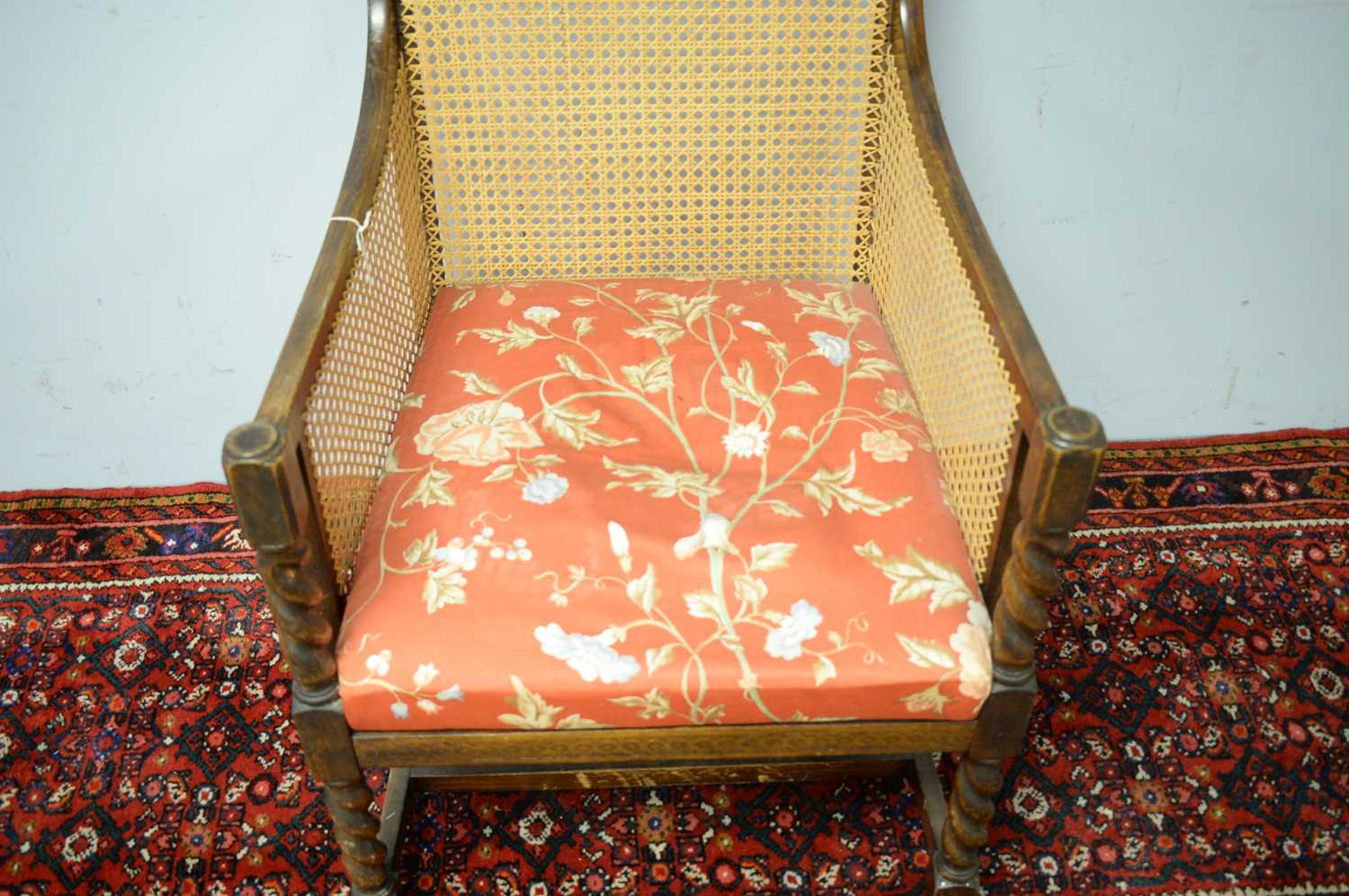 A late 19th Century oak bergere chair - Image 4 of 5