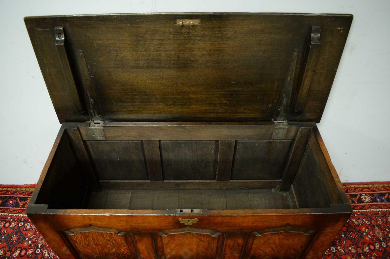 N.H. Chapman 'Siesta' oak coffer. - Image 4 of 5