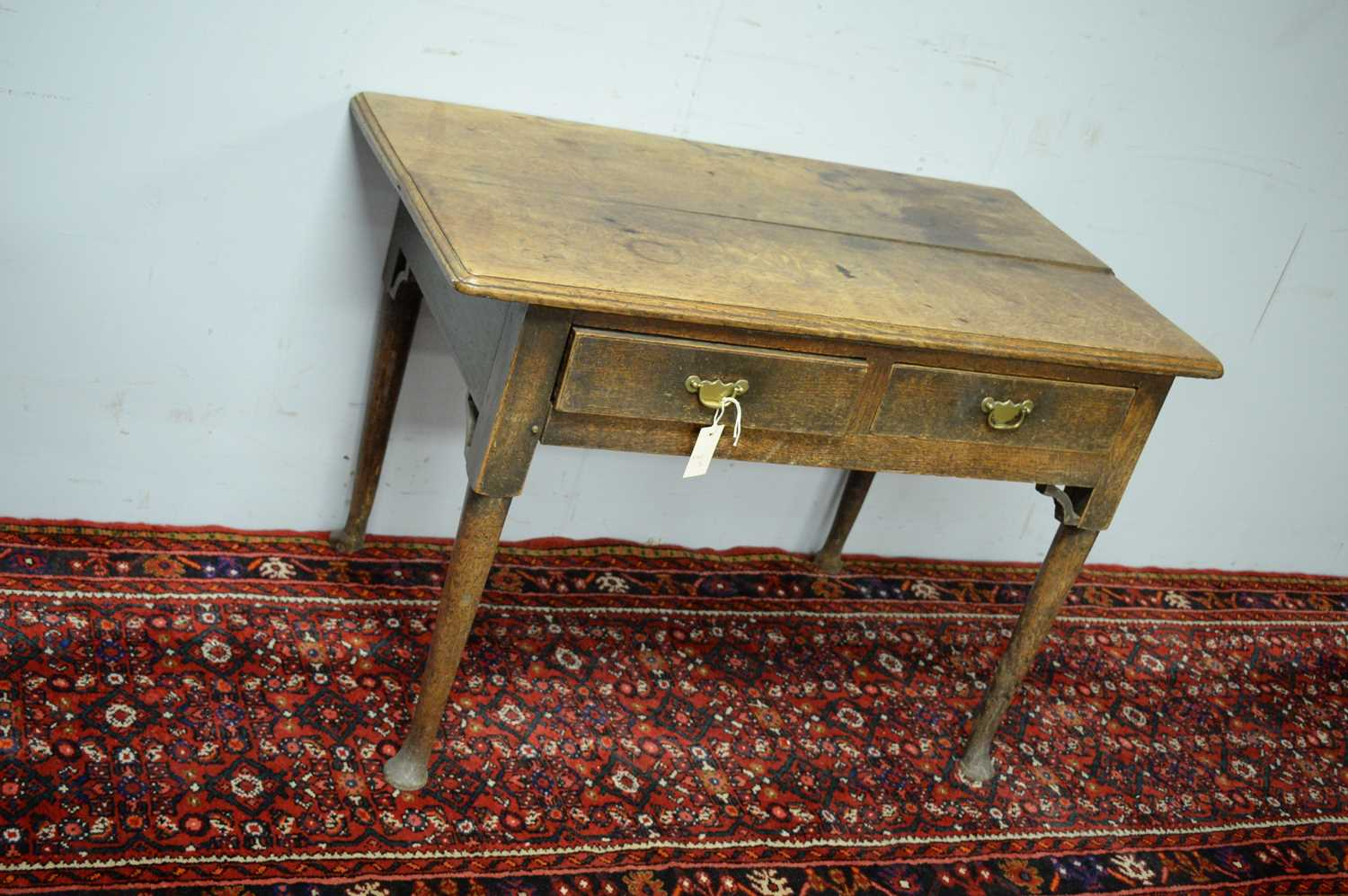 A 19th Century oak side table - Image 3 of 7