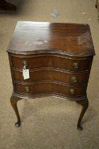20th C mahogany chest of drawers.