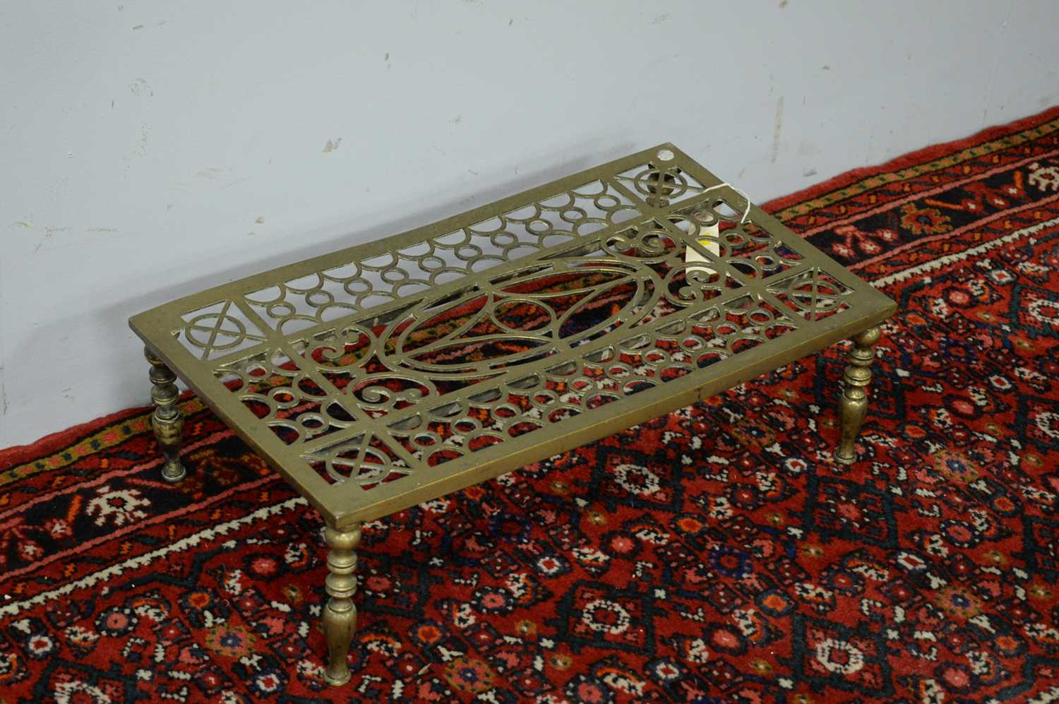 19th C brass trivet and fire curb - Image 3 of 3
