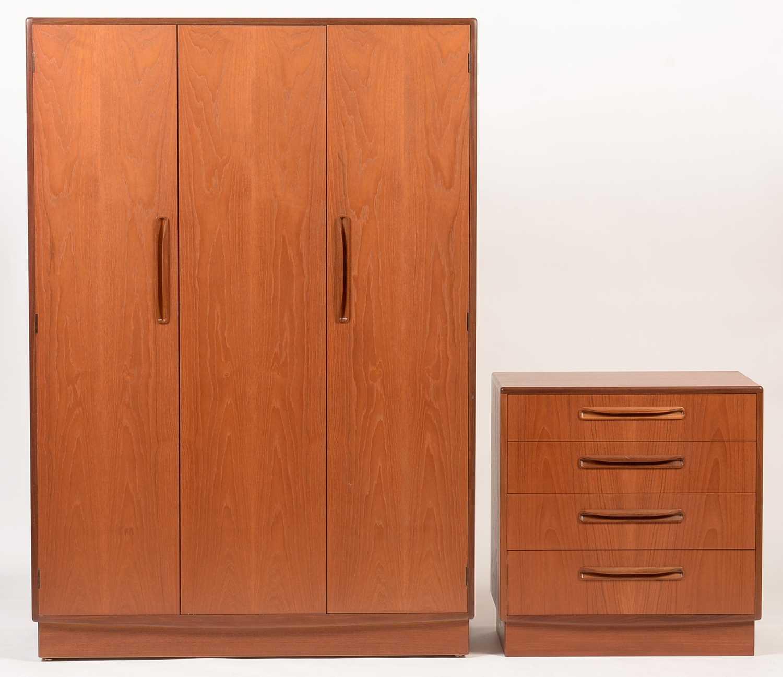 G-Plan: a 'Fresco' three-piece bedroom suite. - Image 2 of 3