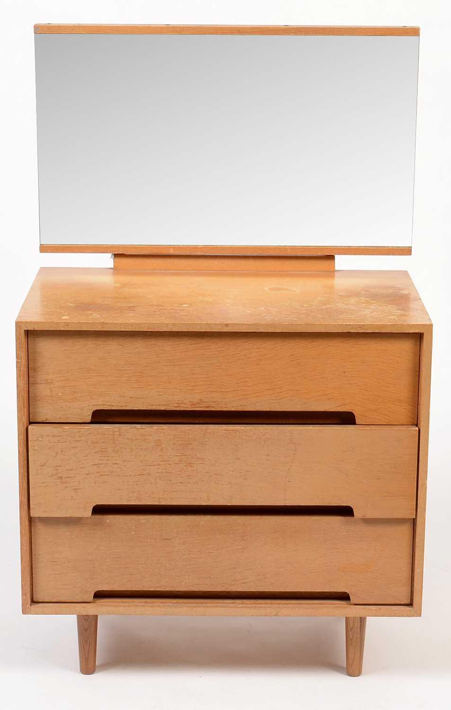 John & Sylvia Reid for Stag: a light oak 'C' range dressing chest.