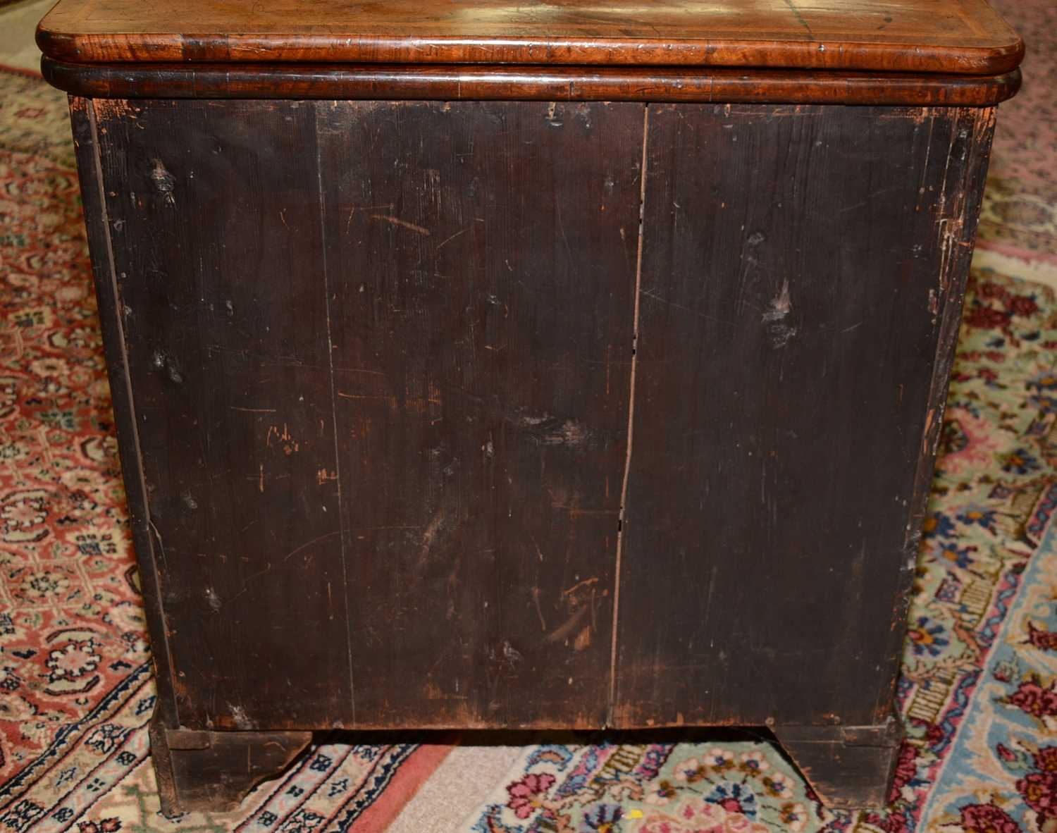 Early 18th Century walnut bachelors chest - Image 12 of 39