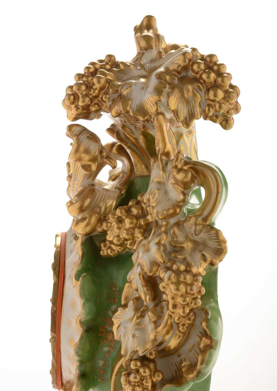 Jacob Petit porcelain mantel clock and stand - Image 20 of 20