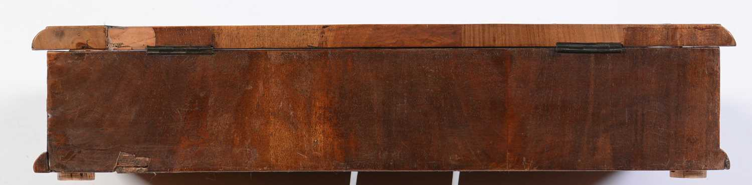 18th Century Dutch marquetry and oyster veneered lace box - Image 4 of 9
