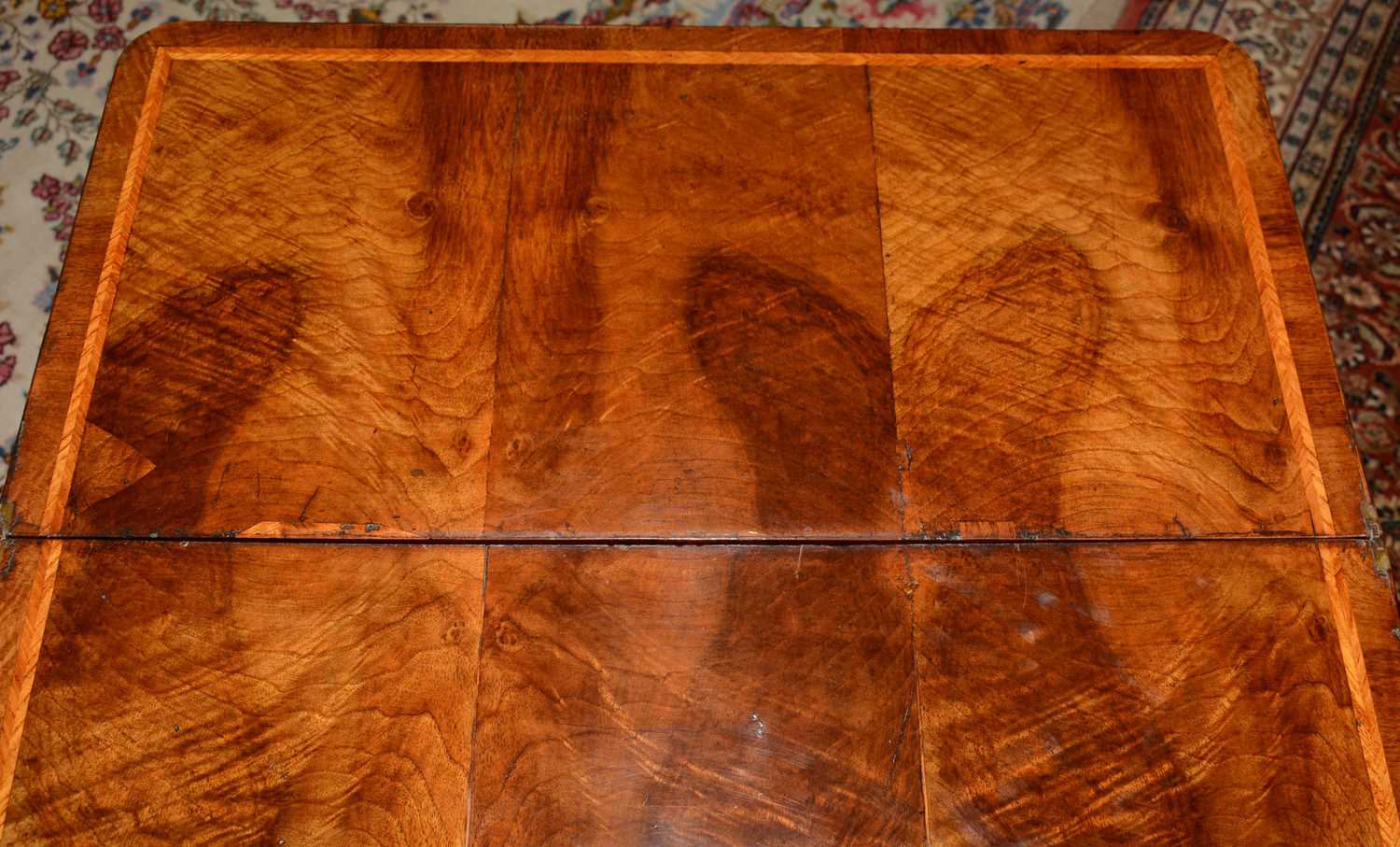 Early 18th Century walnut bachelors chest - Image 15 of 39