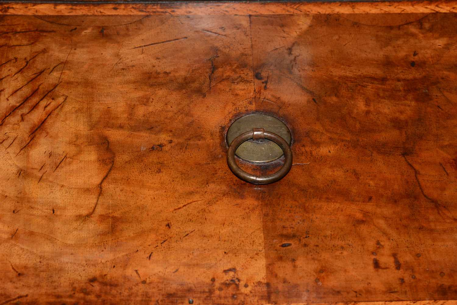 Early 18th Century walnut bachelors chest - Image 28 of 39