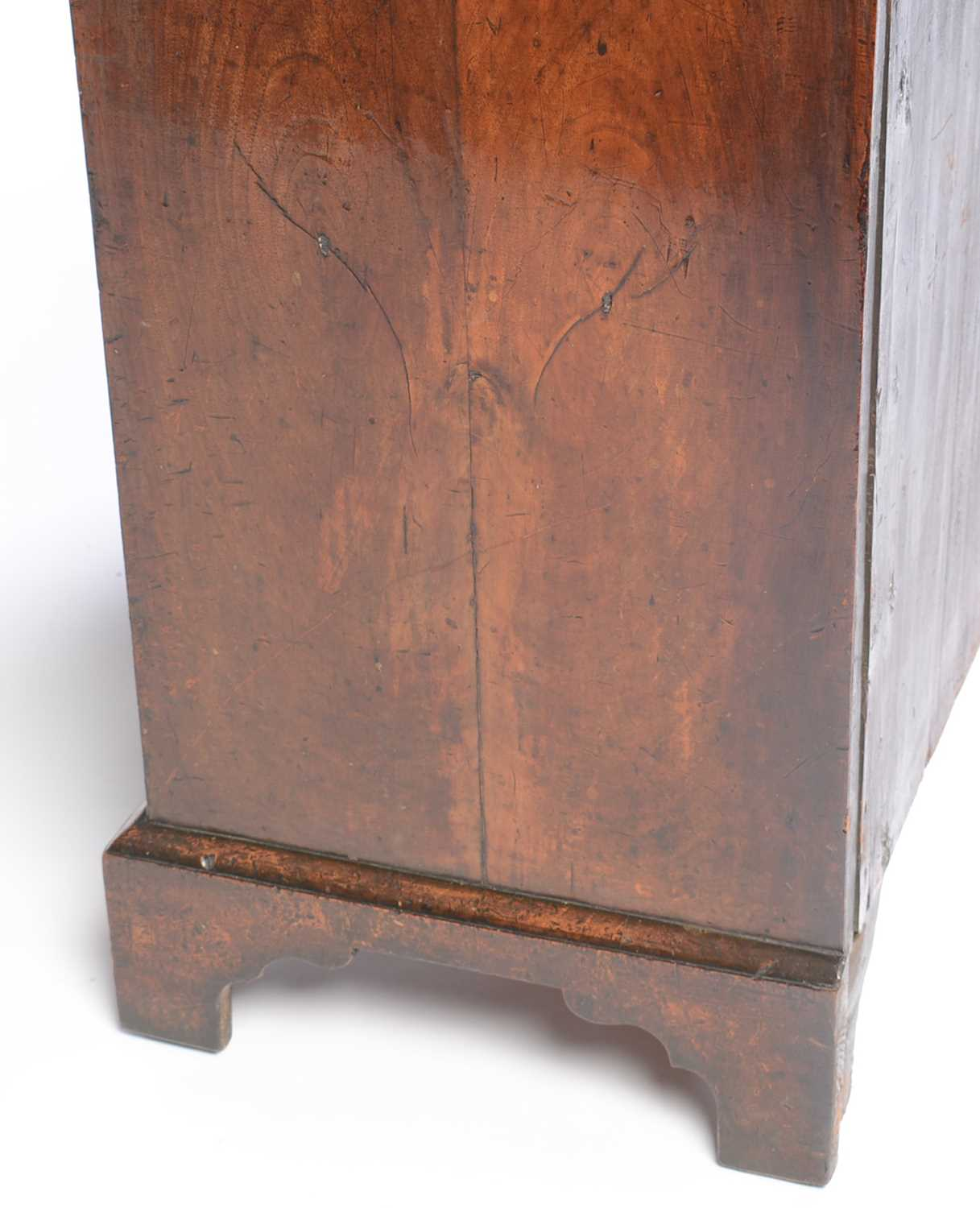 Early 18th Century walnut bachelors chest - Image 7 of 39