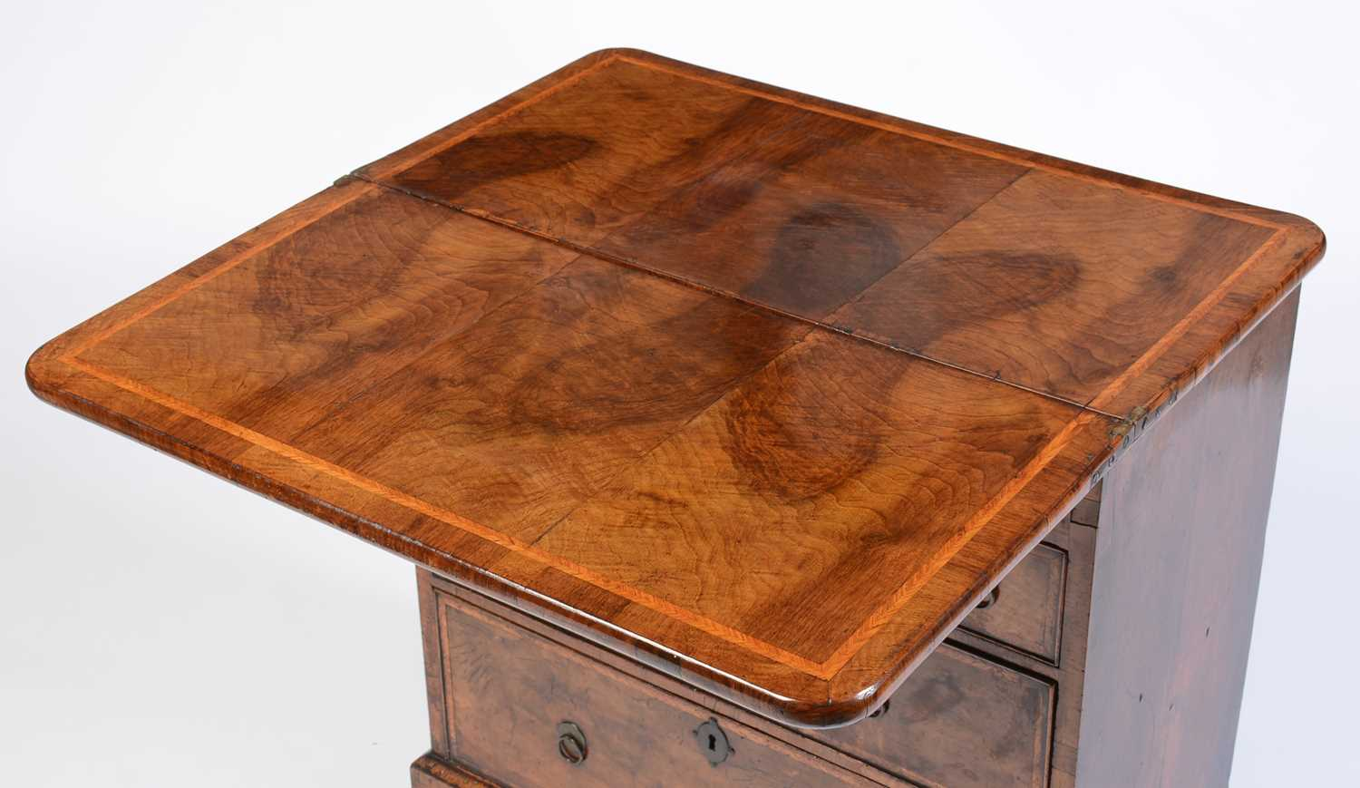 Early 18th Century walnut bachelors chest - Image 2 of 39